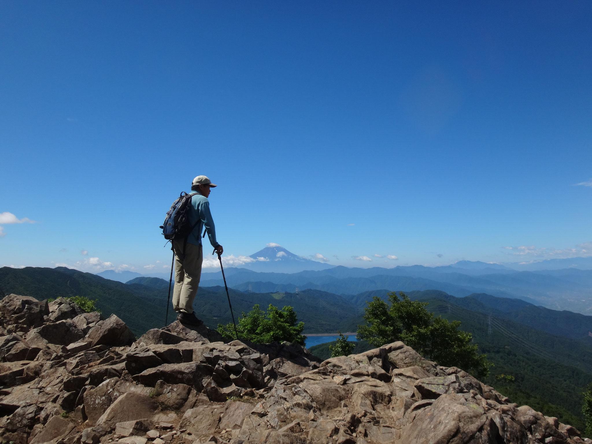 大菩薩嶺から富士を望む