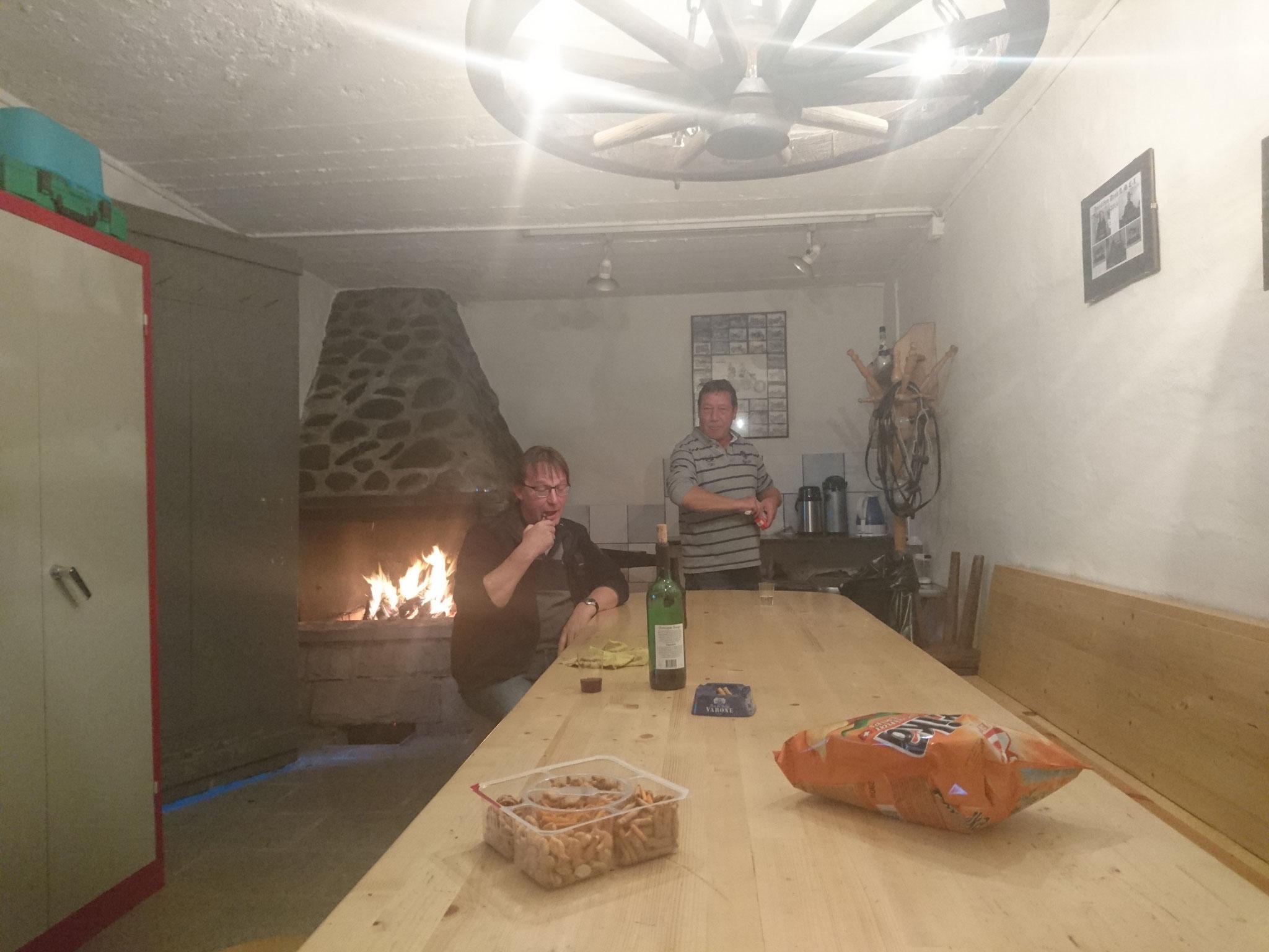 Austrinket Clubhüttli