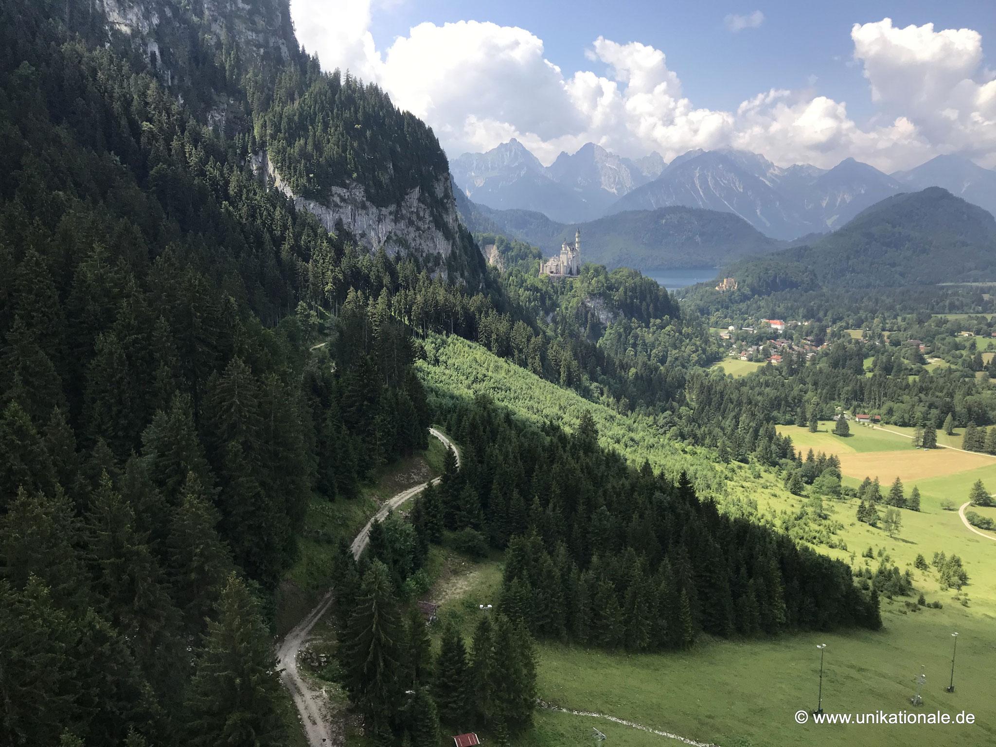 Neuschwanstein und Hohenschwangau von der Tegelbergbahn aus