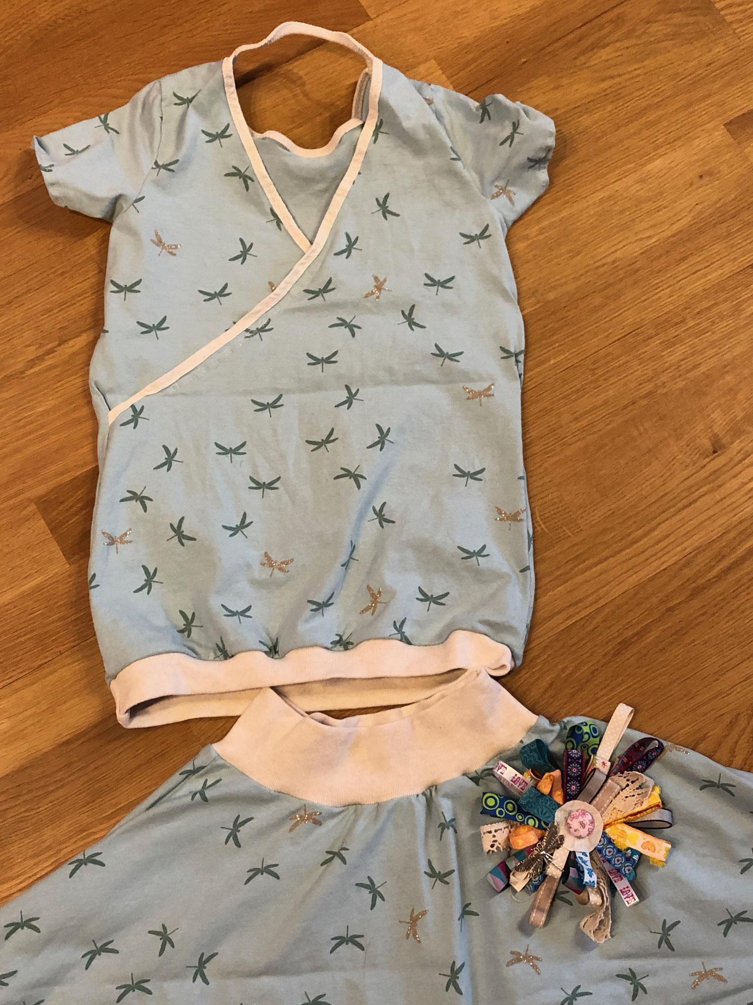 Libellen - Shirt mit überkreuztem Rückenausschnitt und Swing - Rock