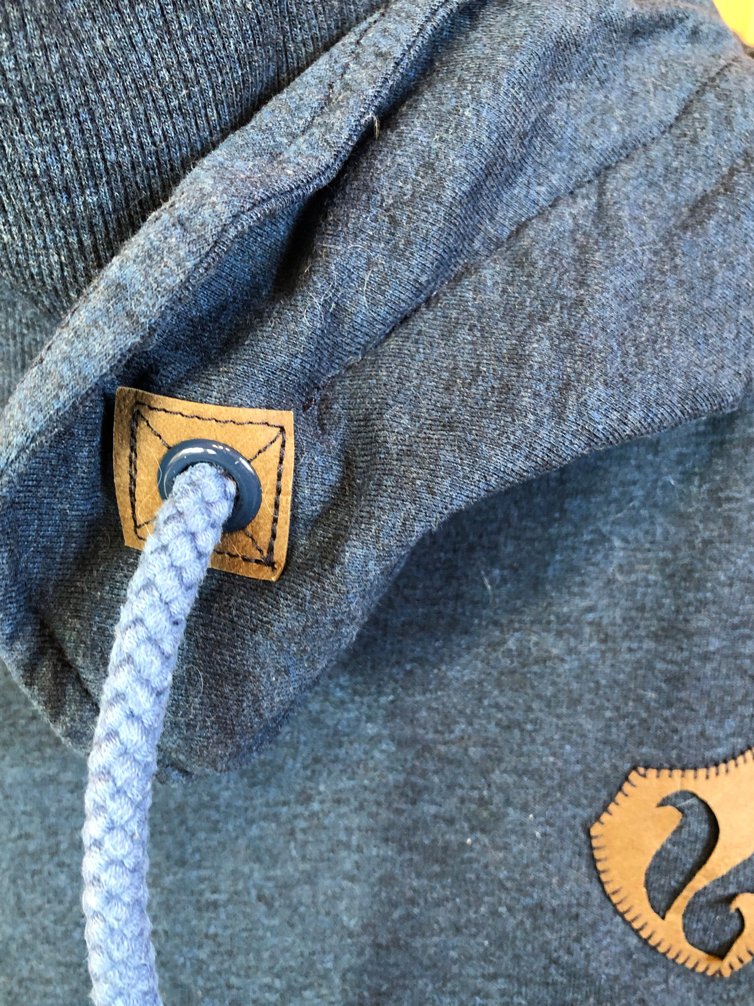 Longshirt mit Applikation Eichhörnchen