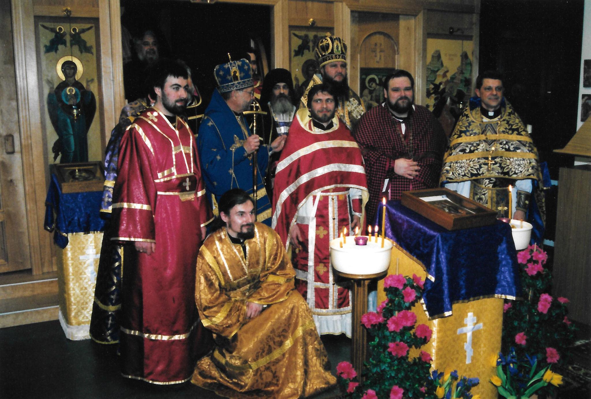 Визит предстоятеля автокефальной Церкви в Америке Митрополита Феодосия и епископа Красногорского Саввы, викария Московской епархии, март 2001 год