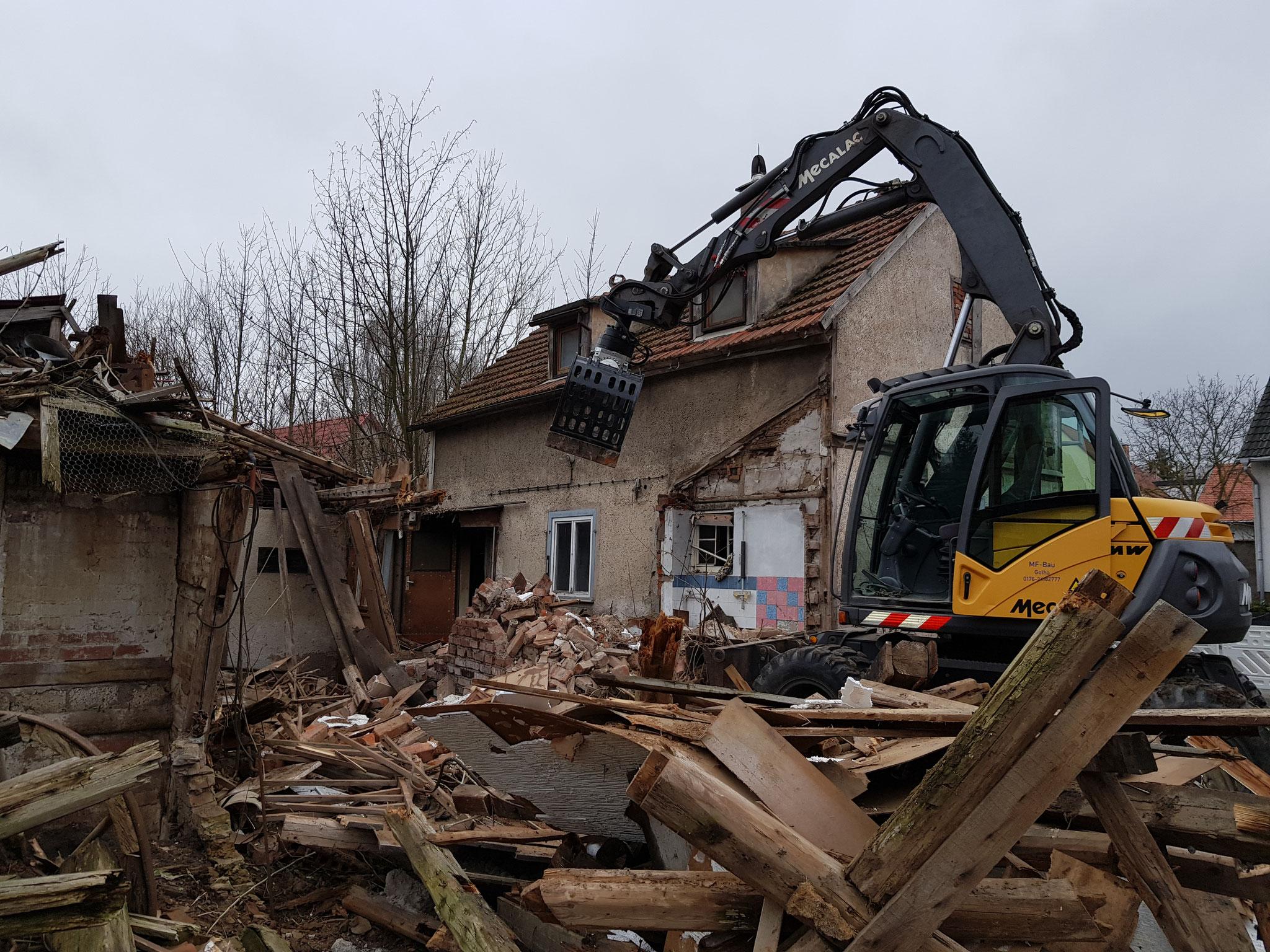 Abriss von Bausubstanz in direkter Nähe zu Nachbargebäuden? Kein Problem für uns.