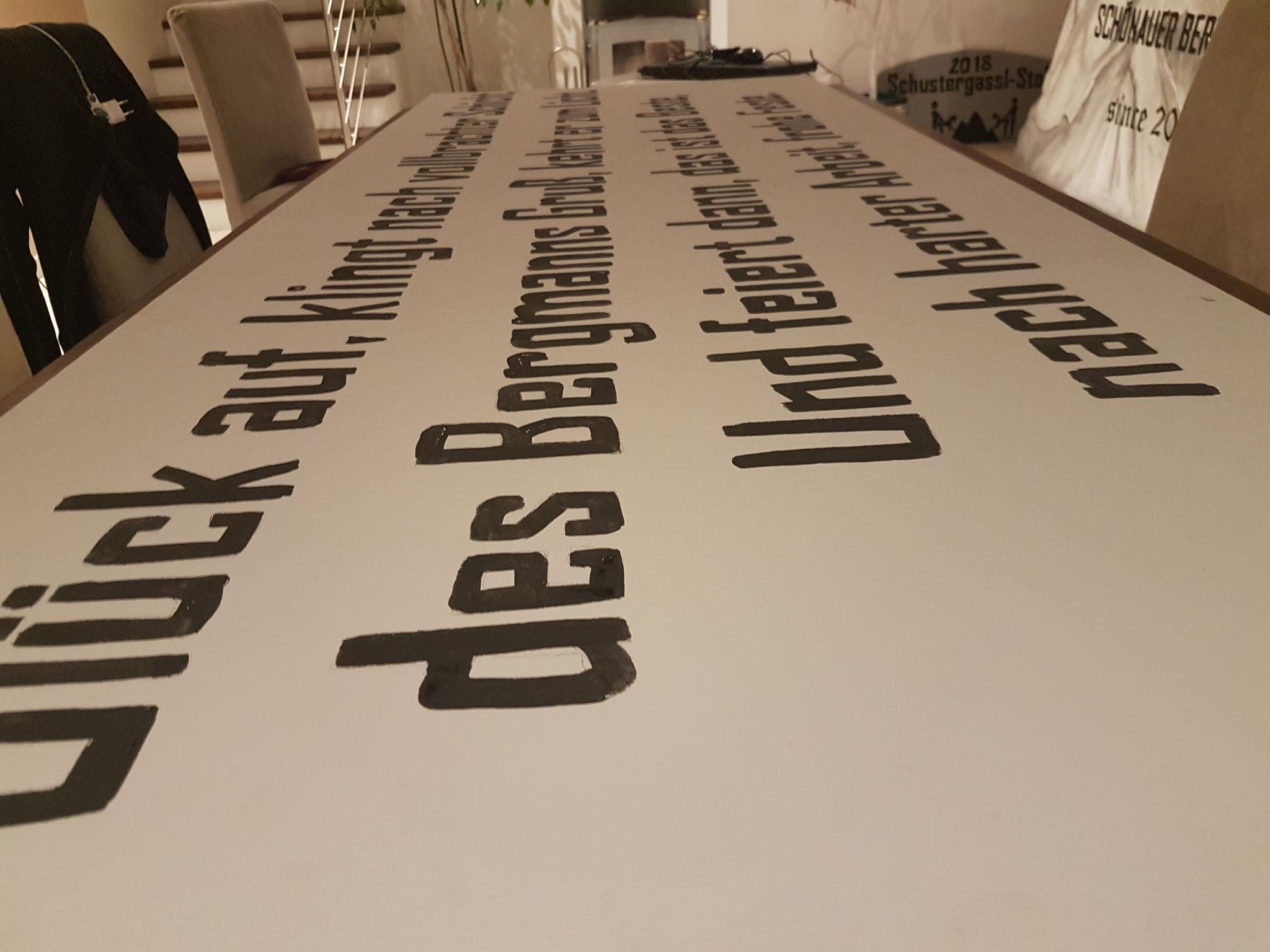 Schild für den Faschingswagen Schönau