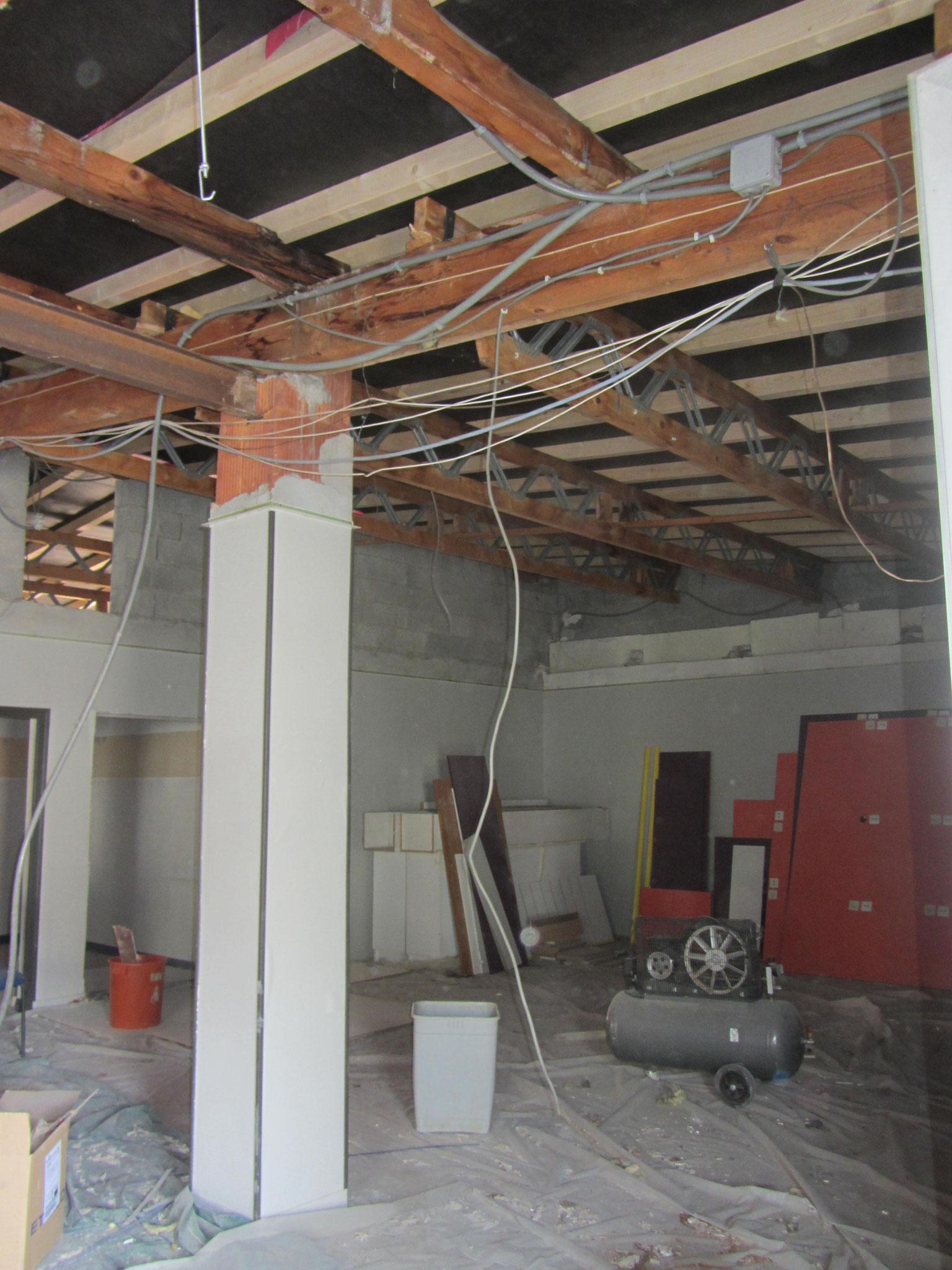 Démontage des faux plafonds