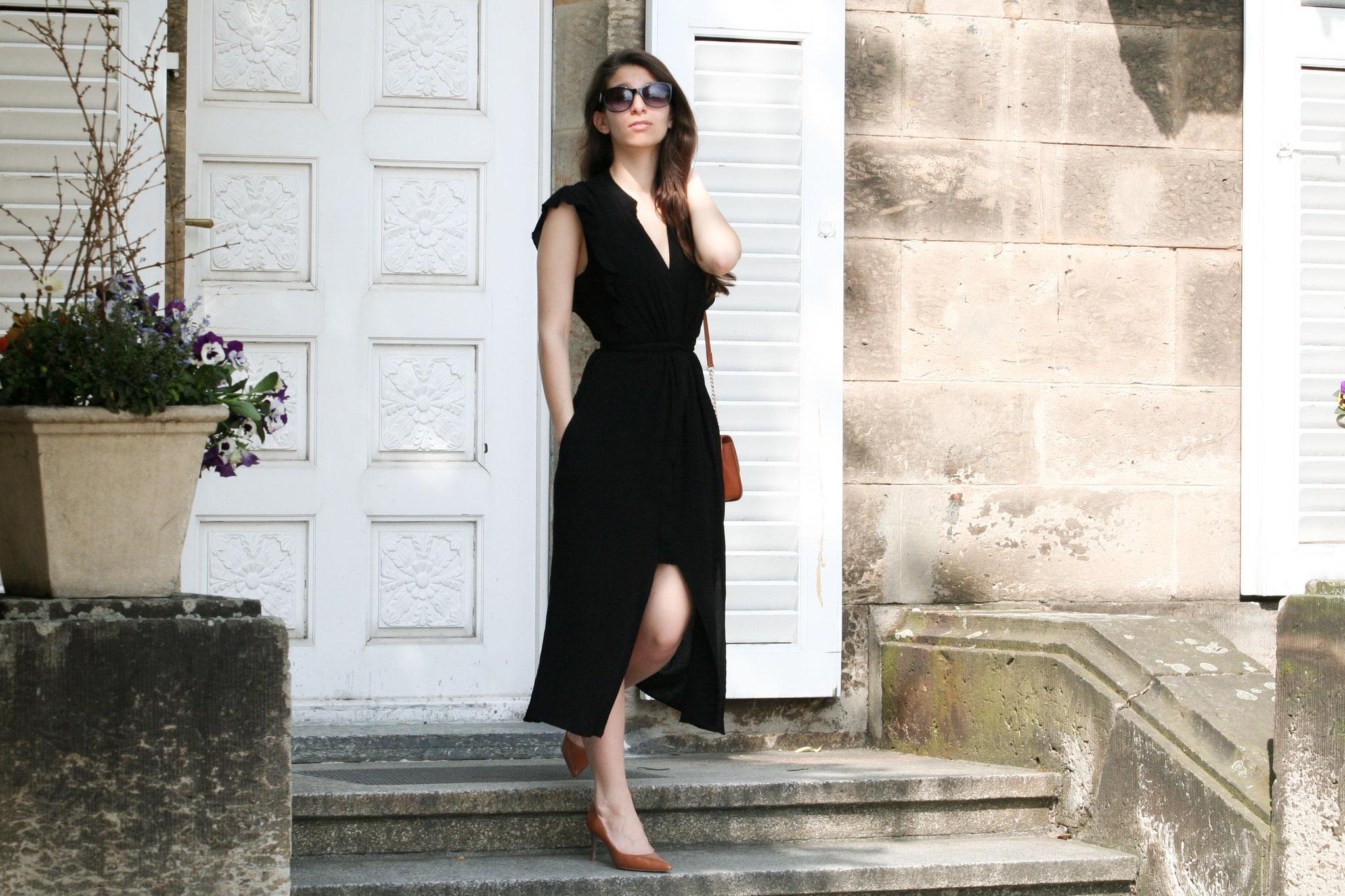Das kleine Schwarze by Carmen Modeblog  schwarzes Kleid Zara