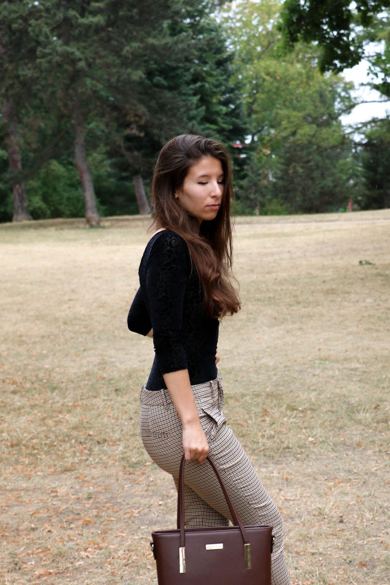 by Carmen Schubert Modeblog Deutschland Zara karierte Hose Sligbacks