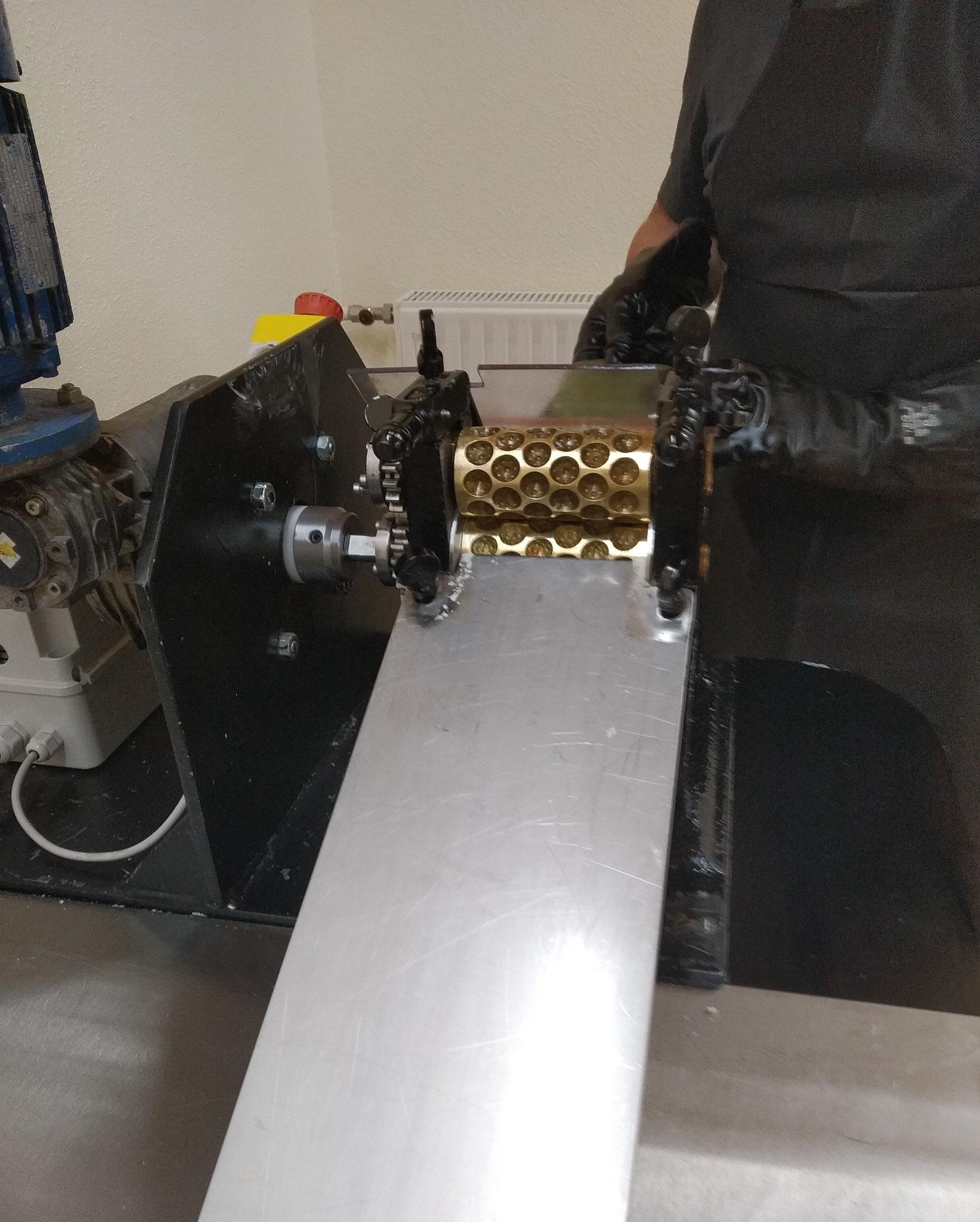 La macchina antica per la produzione di caramelle
