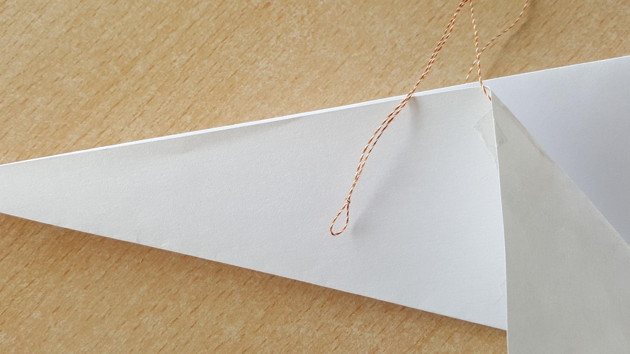 Trouver le point millieu du pridage et faite un noeud