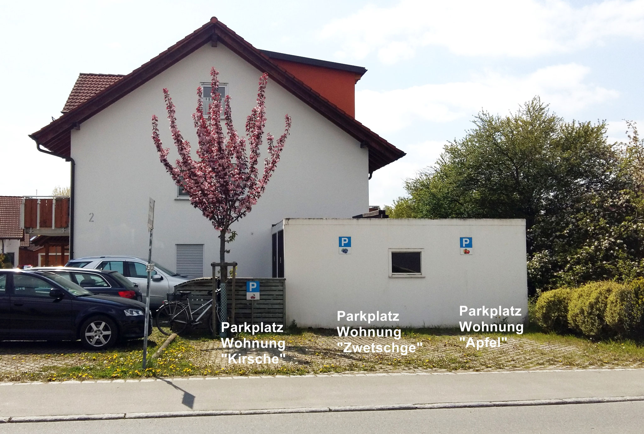 Parkplätze, (Einer pro Wohnung)