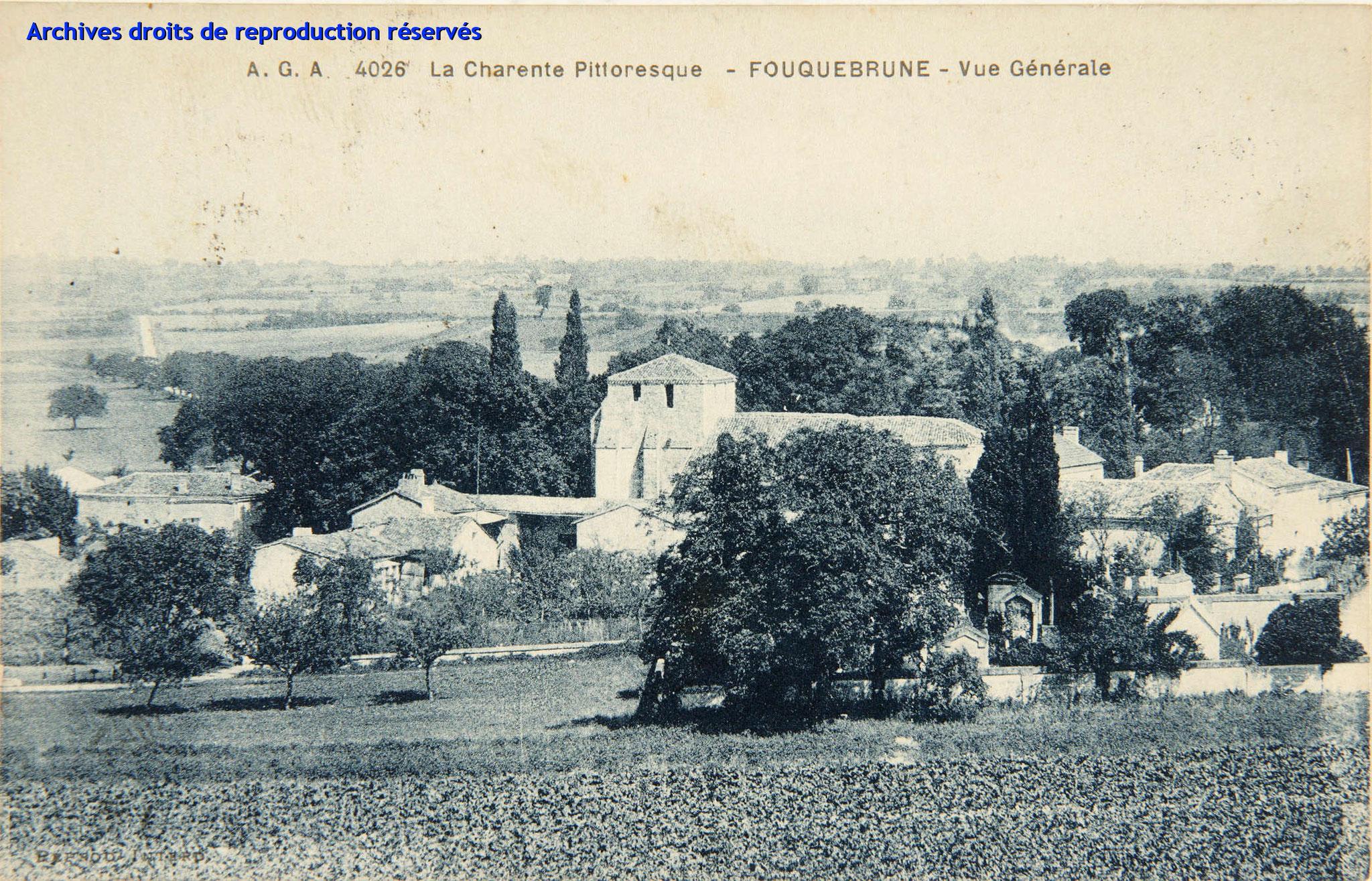 Carte postale 4026 - A.G.A - La Charente pittoresque - FOUQUEBRUNE Vue générale (Source : Archives départementales)
