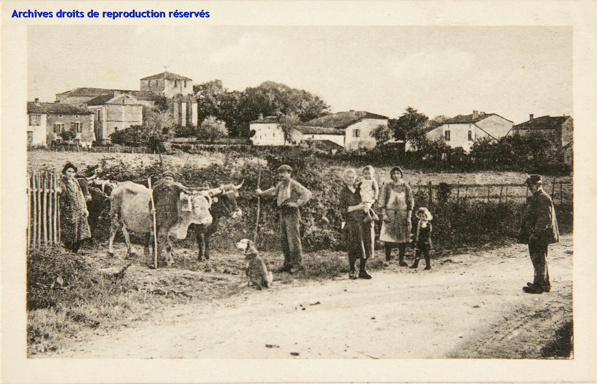 Carte postale 4029 - A.G.A - La Charente pittoresque - FOUQUEBRUNE Vue générale (Source : Archives départementales)