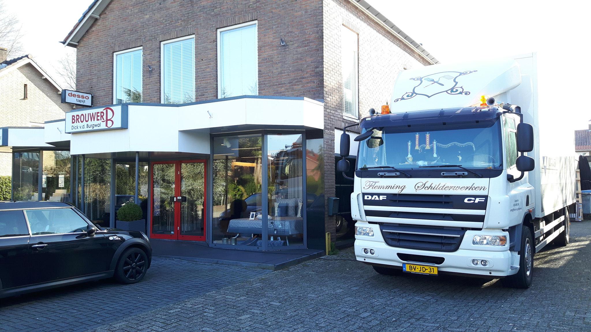 Plinten spuiten bij Brouwer Wonen-Slapen Leusden (Utrecht)