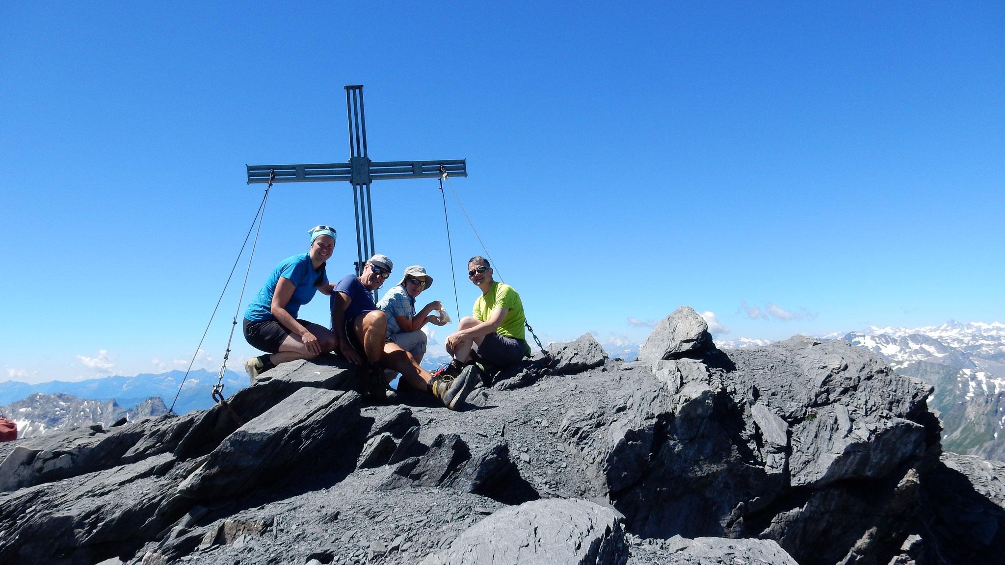 Gipfelglück auf dem Piz Terri