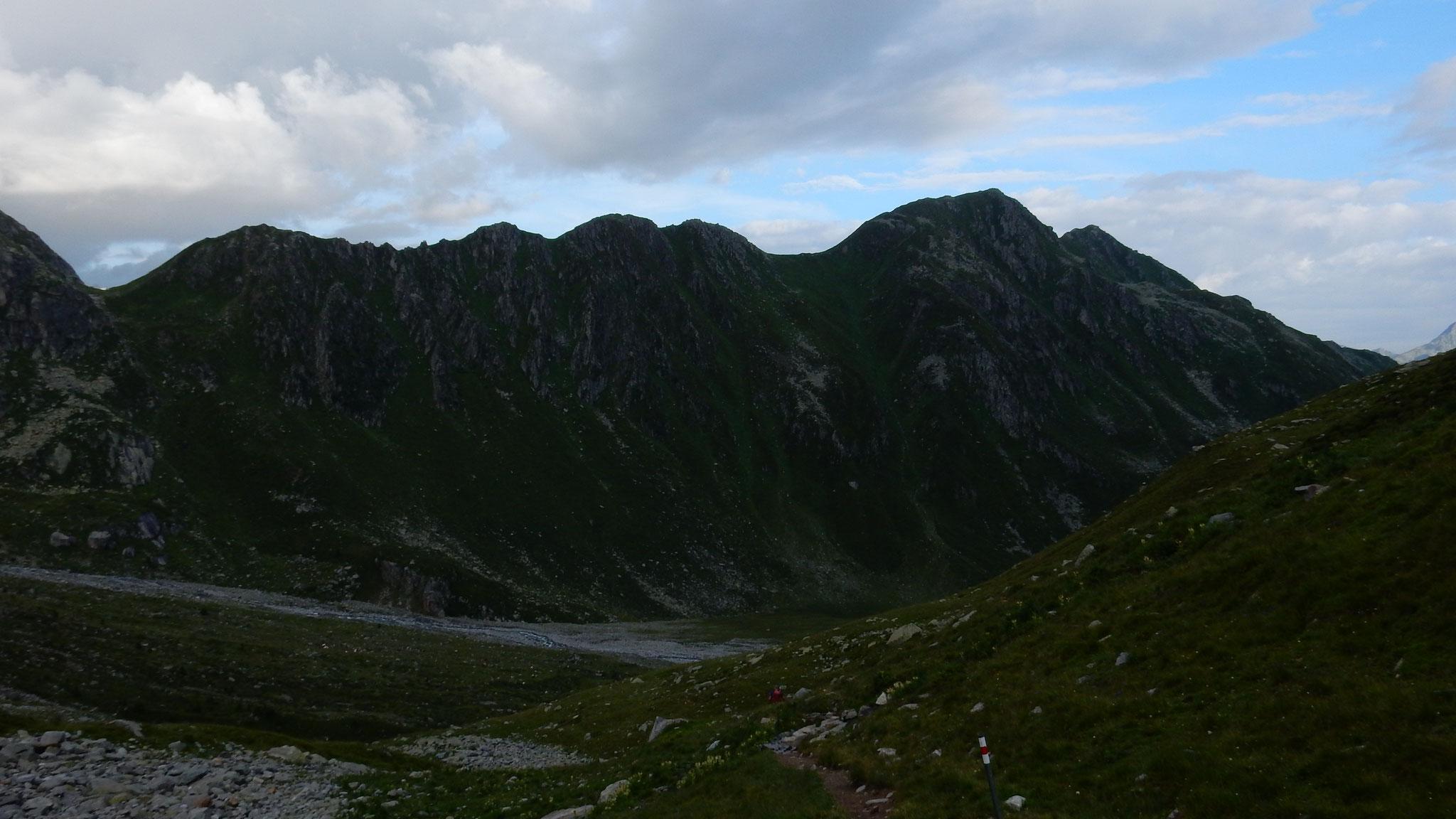 Abstieg Richtung Alp Sura