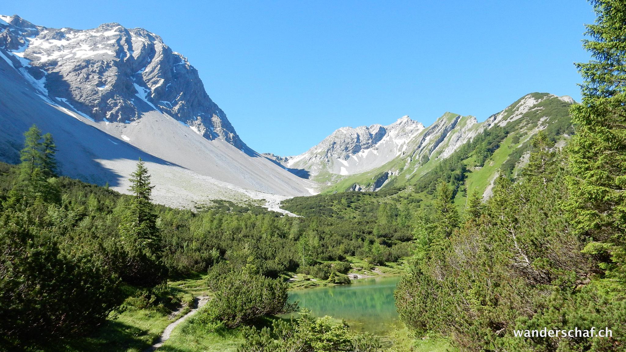 am idyllischen Hirschsee oberhalb vom Nenzinger Himmel