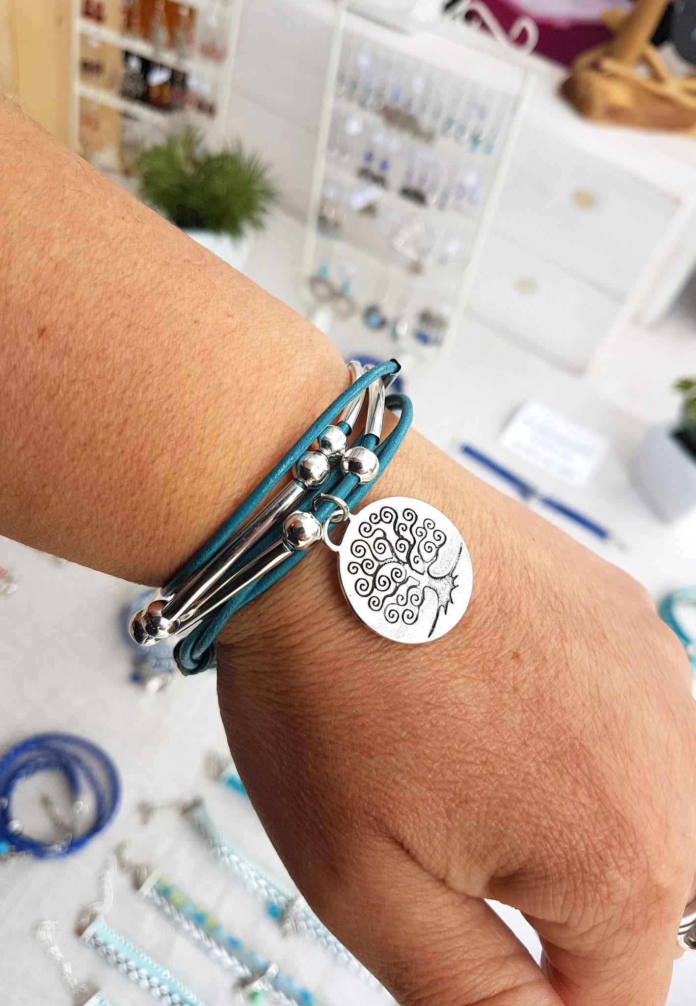 fAMILLE - Bracelet cuir turquoise et son arbre de vie