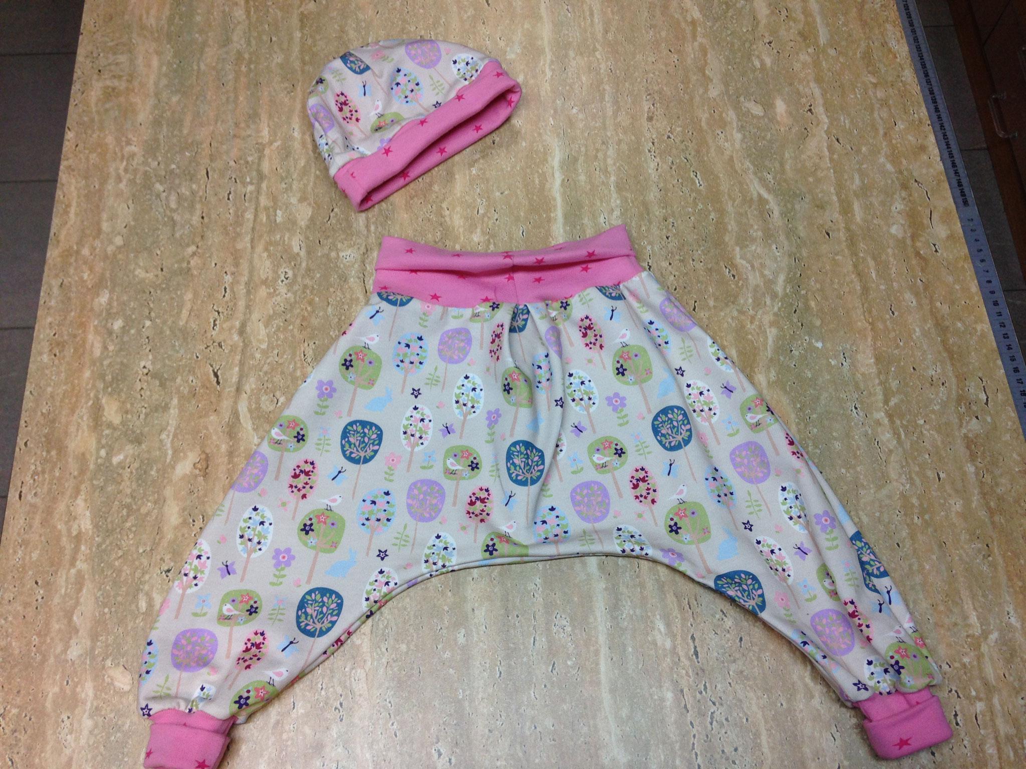 Kinderhose mit passender Beanie