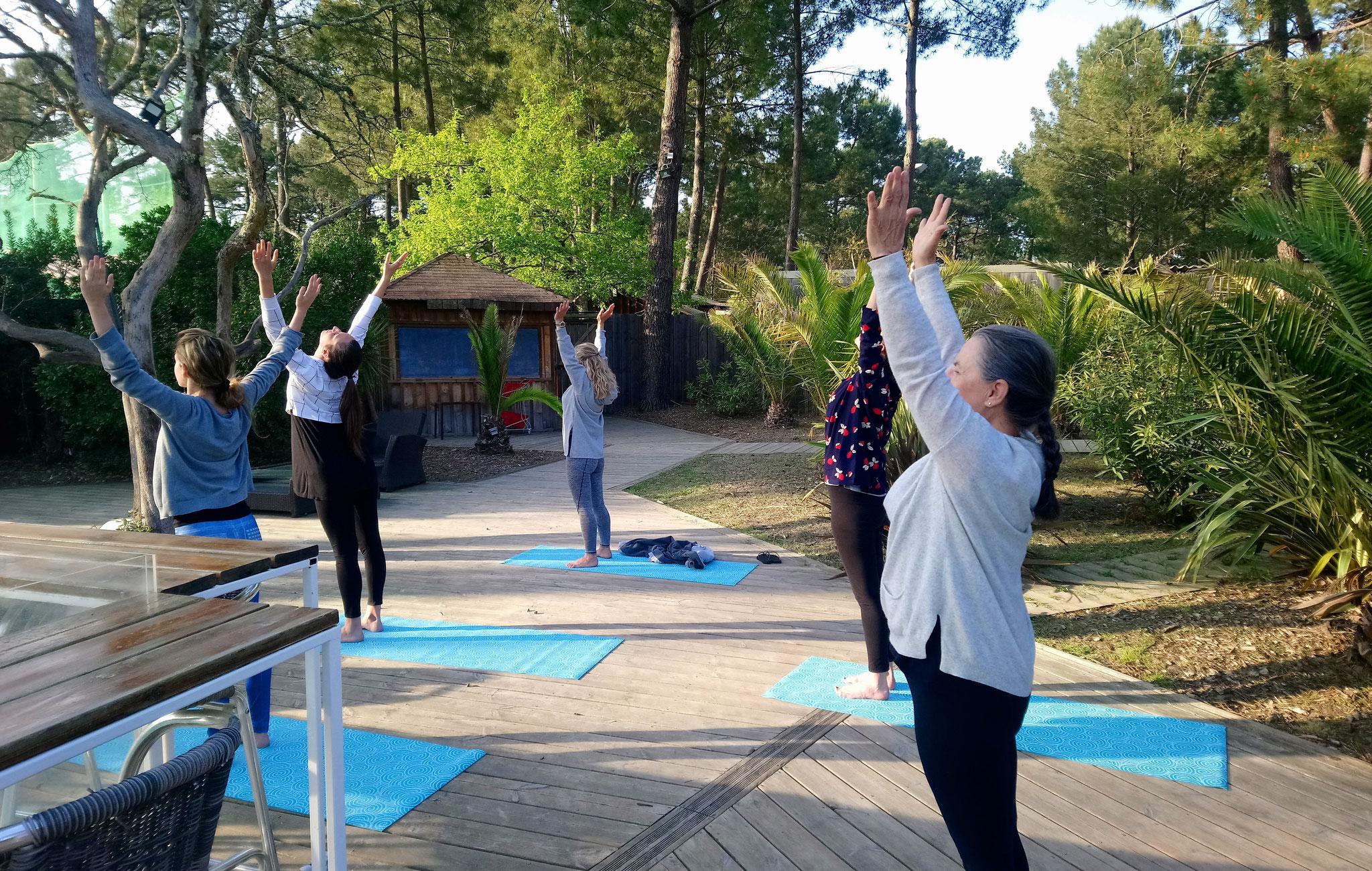 Yoga en extérieur à Cap Golf