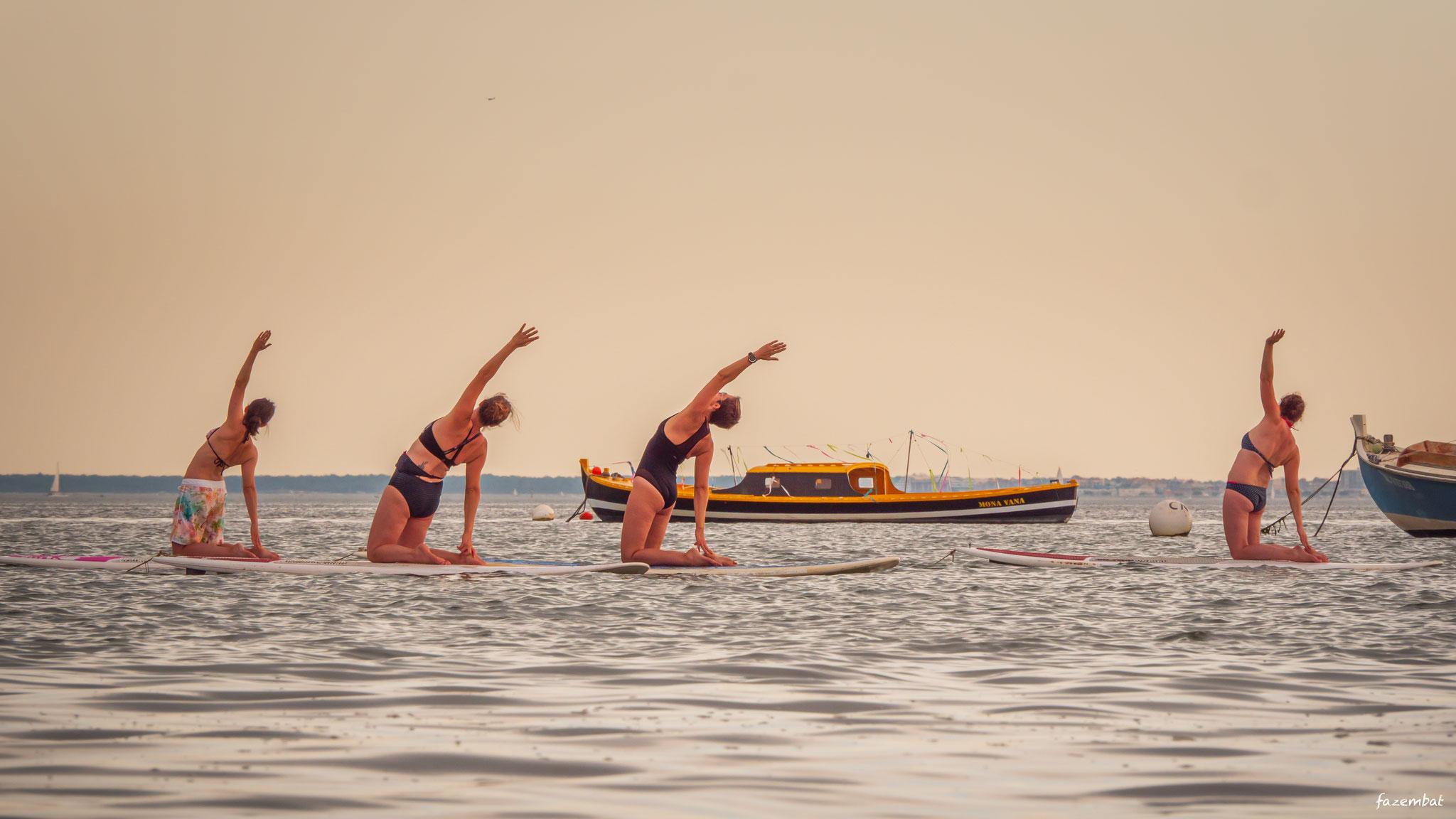 Yoga sur paddle, côté Bassin - ®Emmanuel Fazembat