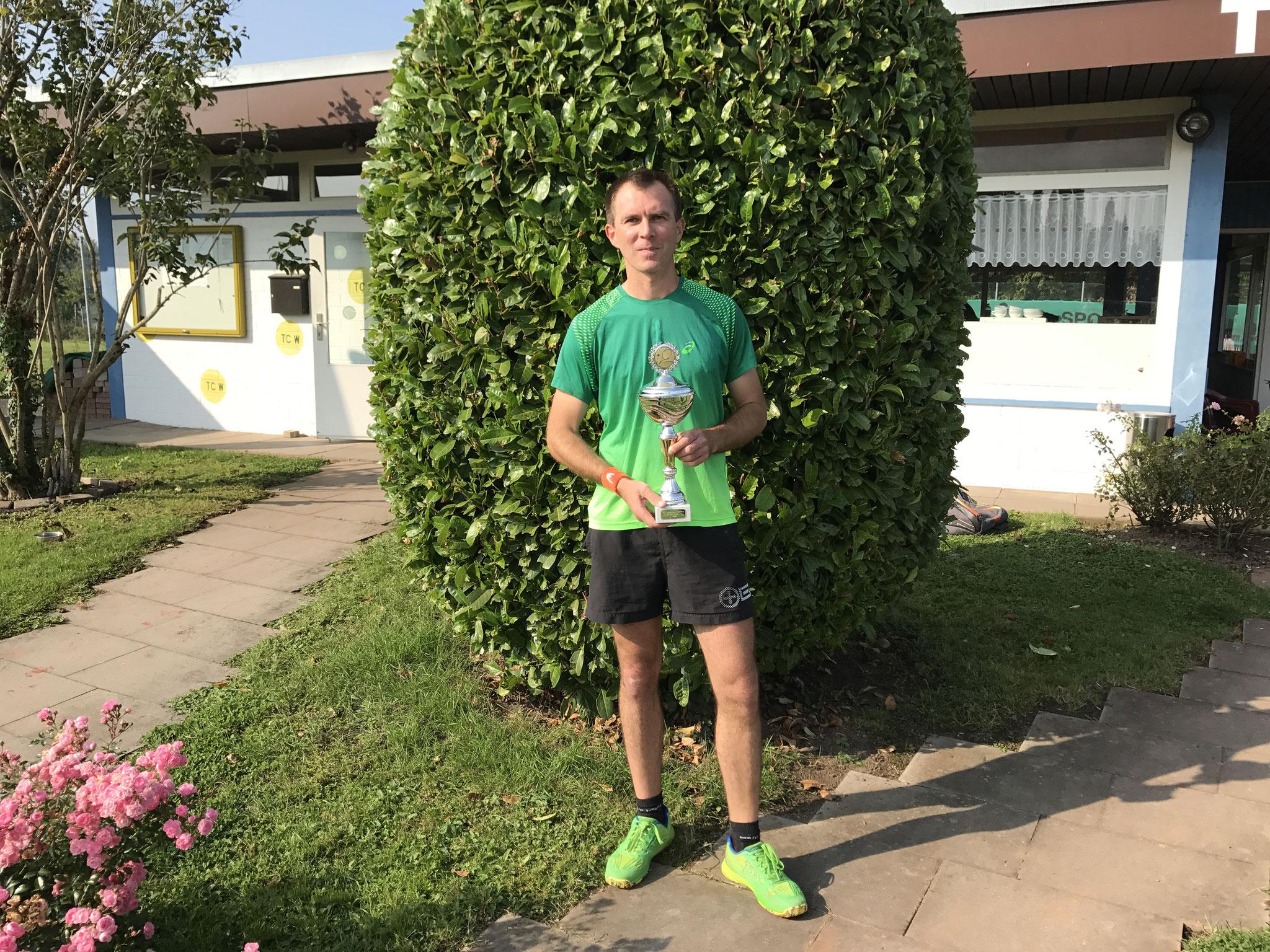 Sieger des 6 LK-Turniers   Gido Gerspach (H)