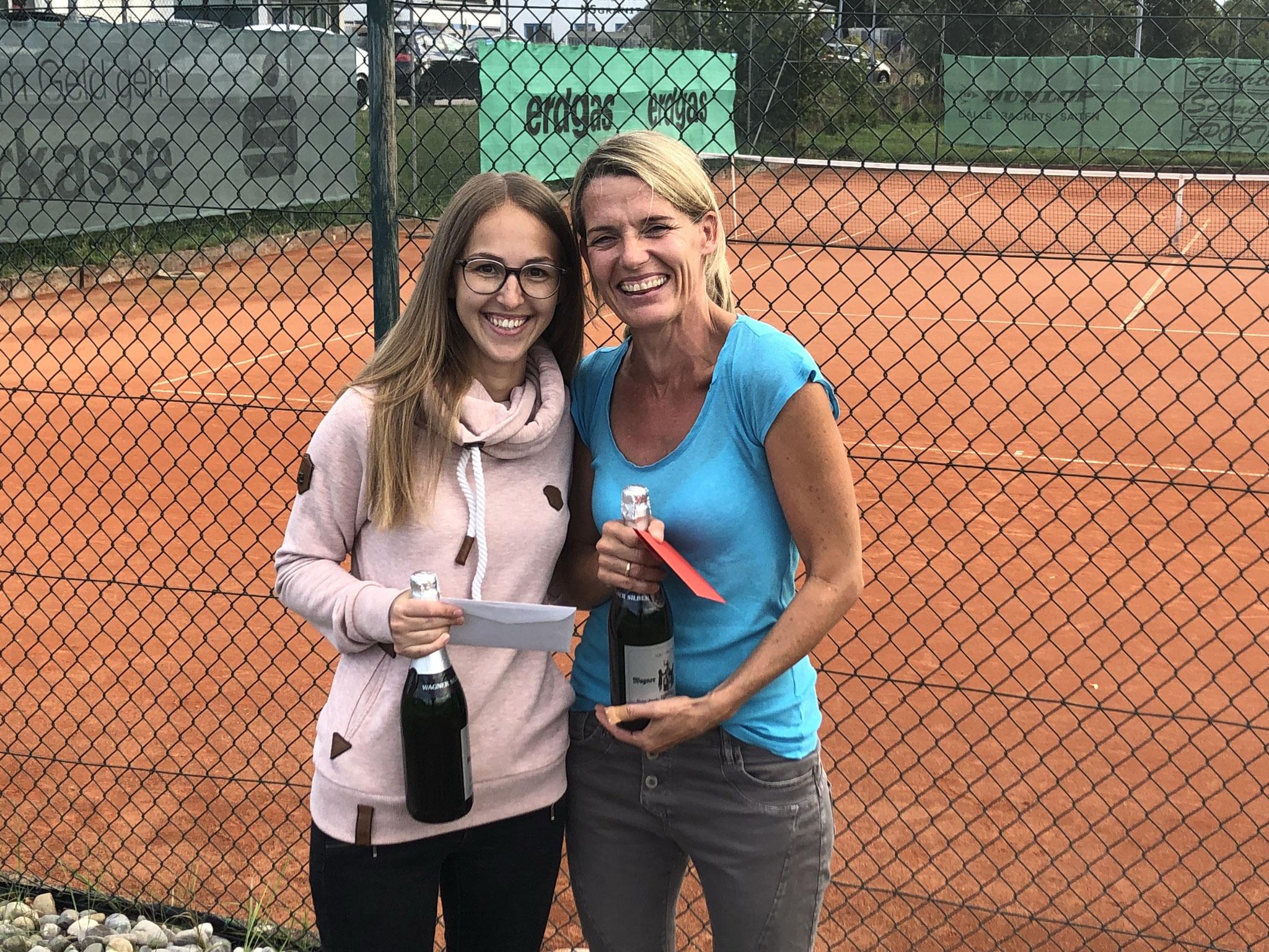 Damen - Rebecca Schüle und Siegerin Andrea Straub-Knissel
