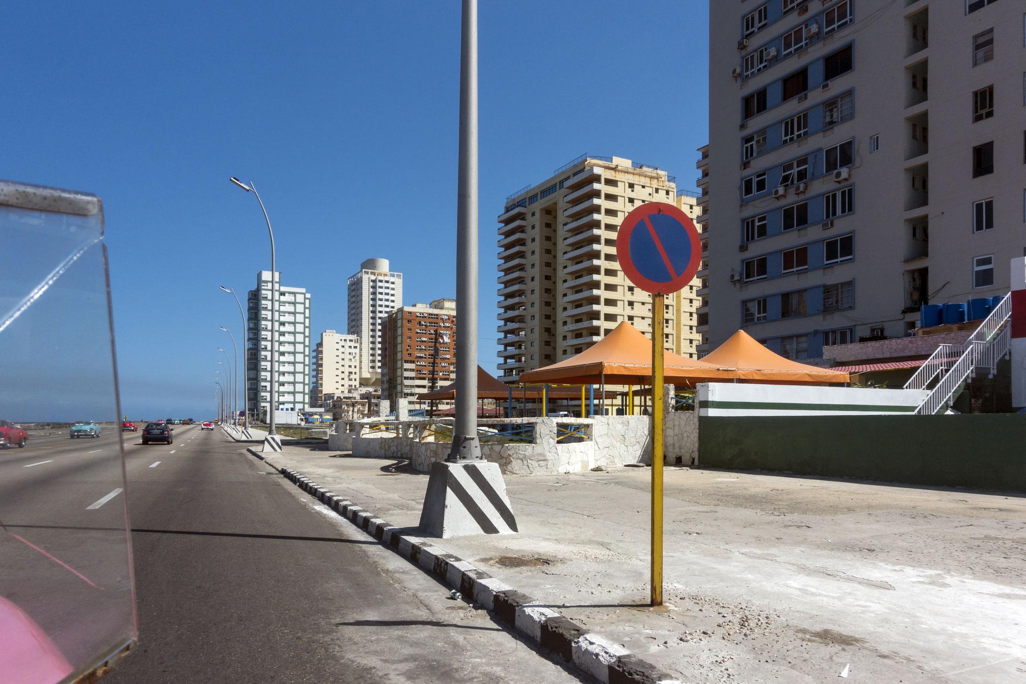 Häuser am Malecón, der Uferstraße in Havanna