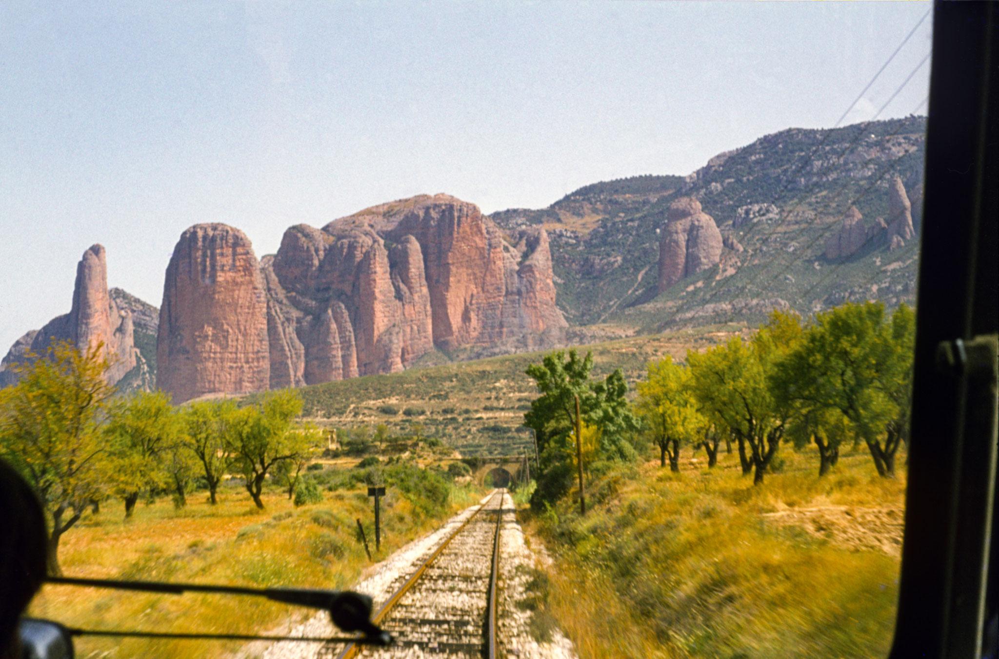 Pyrenäen, spanische Seite, Bahnfahrt nach Jaca