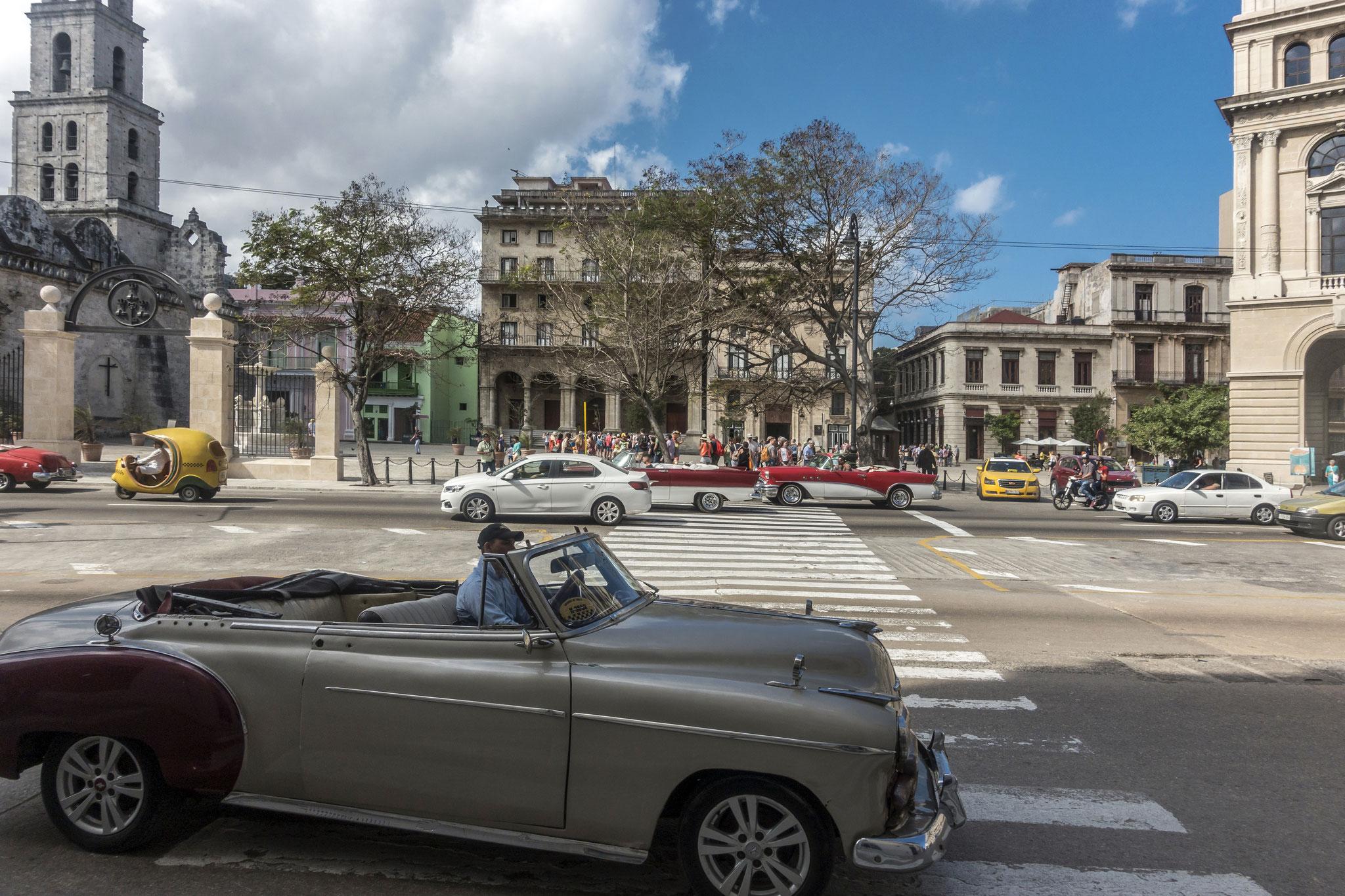 Erster Eindruck von Havanna bei der Ankunft mit dem Schiff: Plaza de San Francisco de Asis