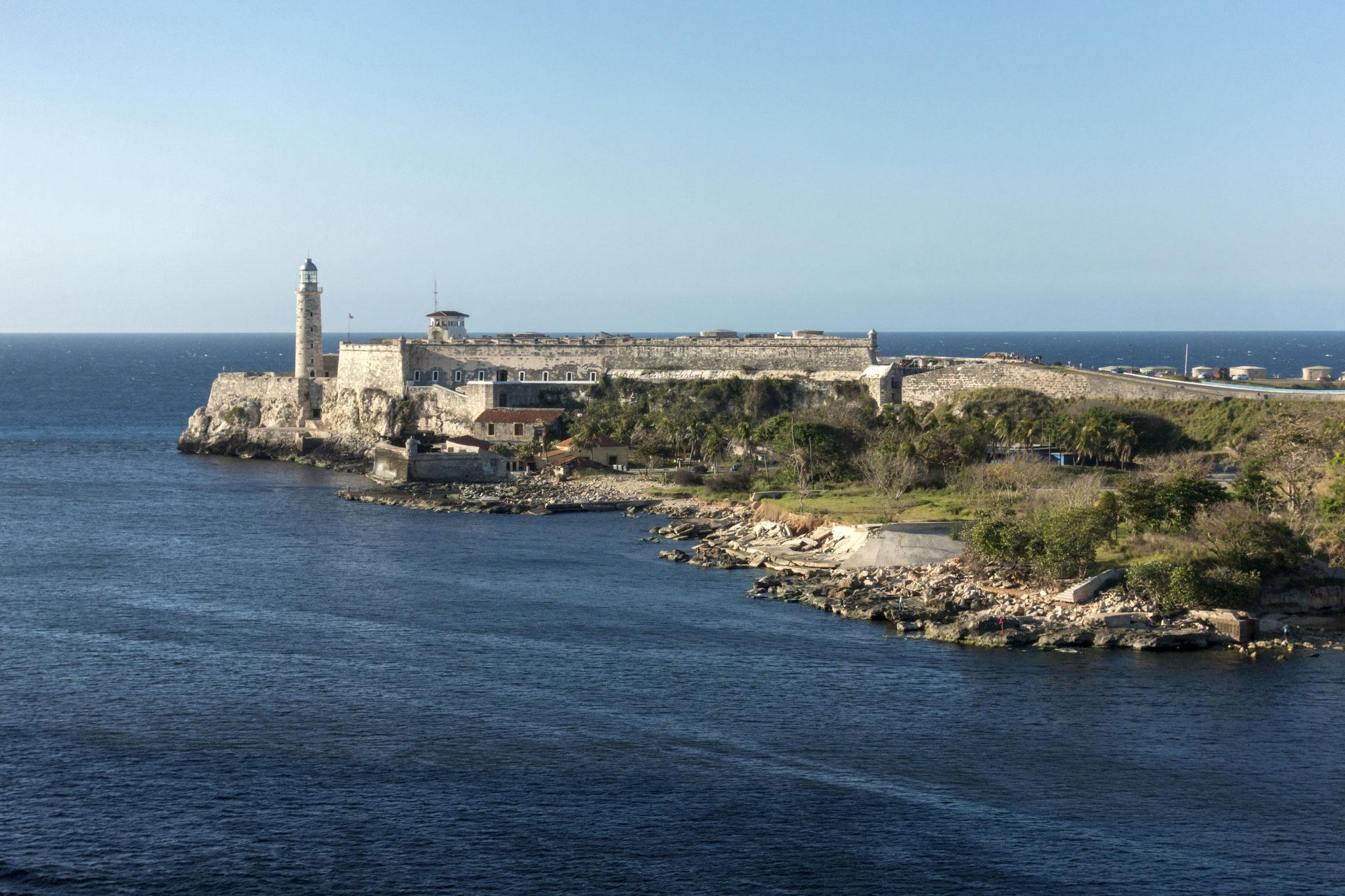 Castillo de los Tres Reyes del Morro, Hafeneinfahrt
