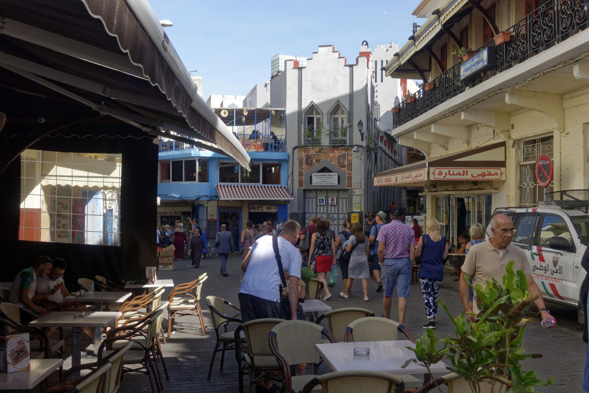 Place Petit Socco, Café Central