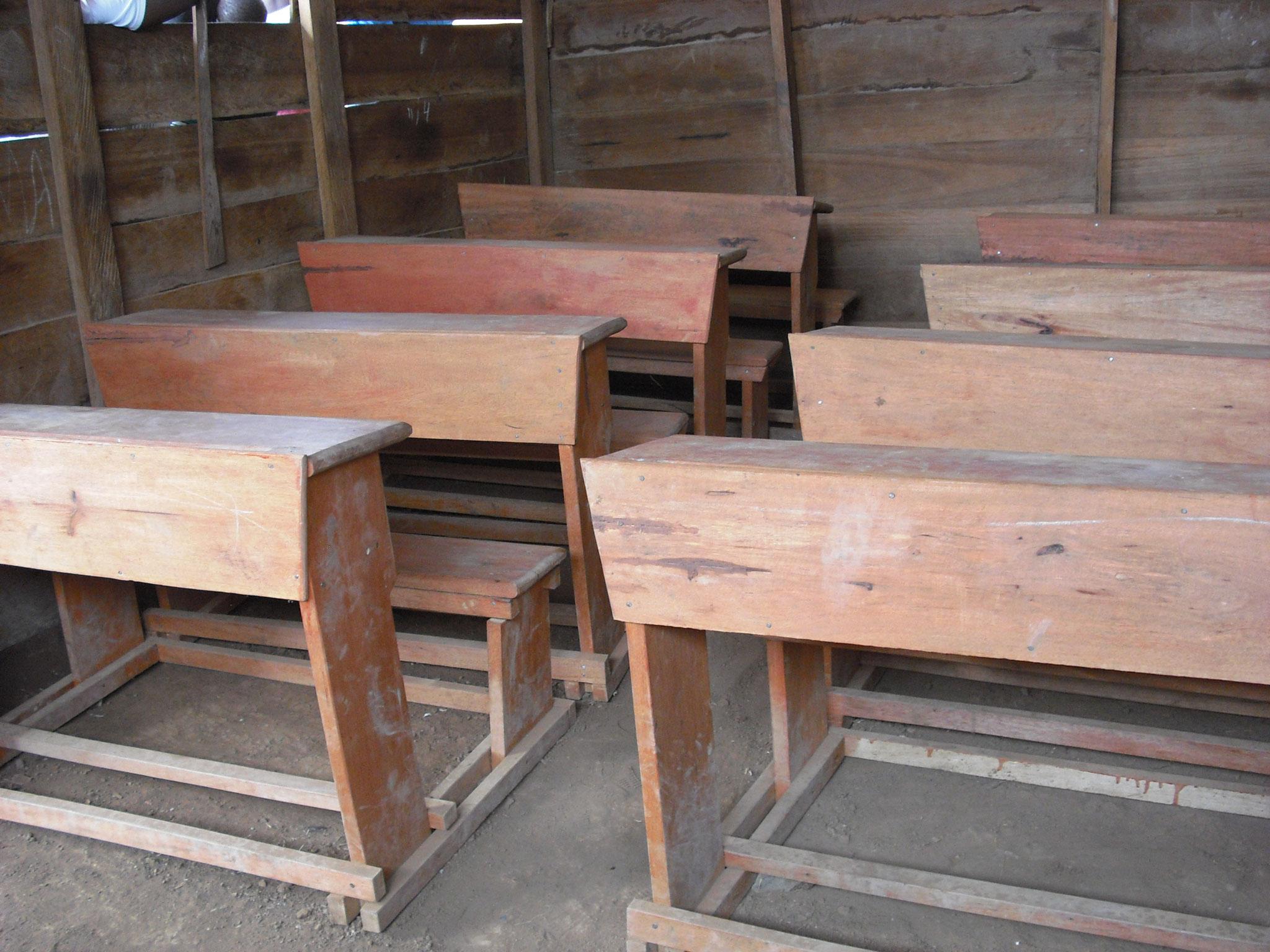 Die Schulmöbel wurden dank einer größzügigen Spende der Schule Turmweg gezimmert!