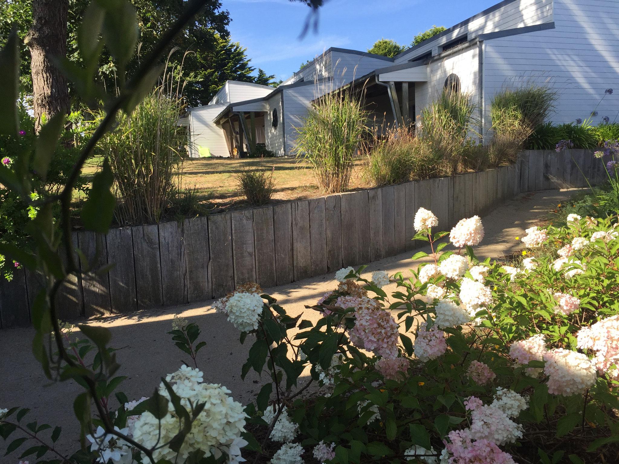 Les terrasses des villas avec son jardin