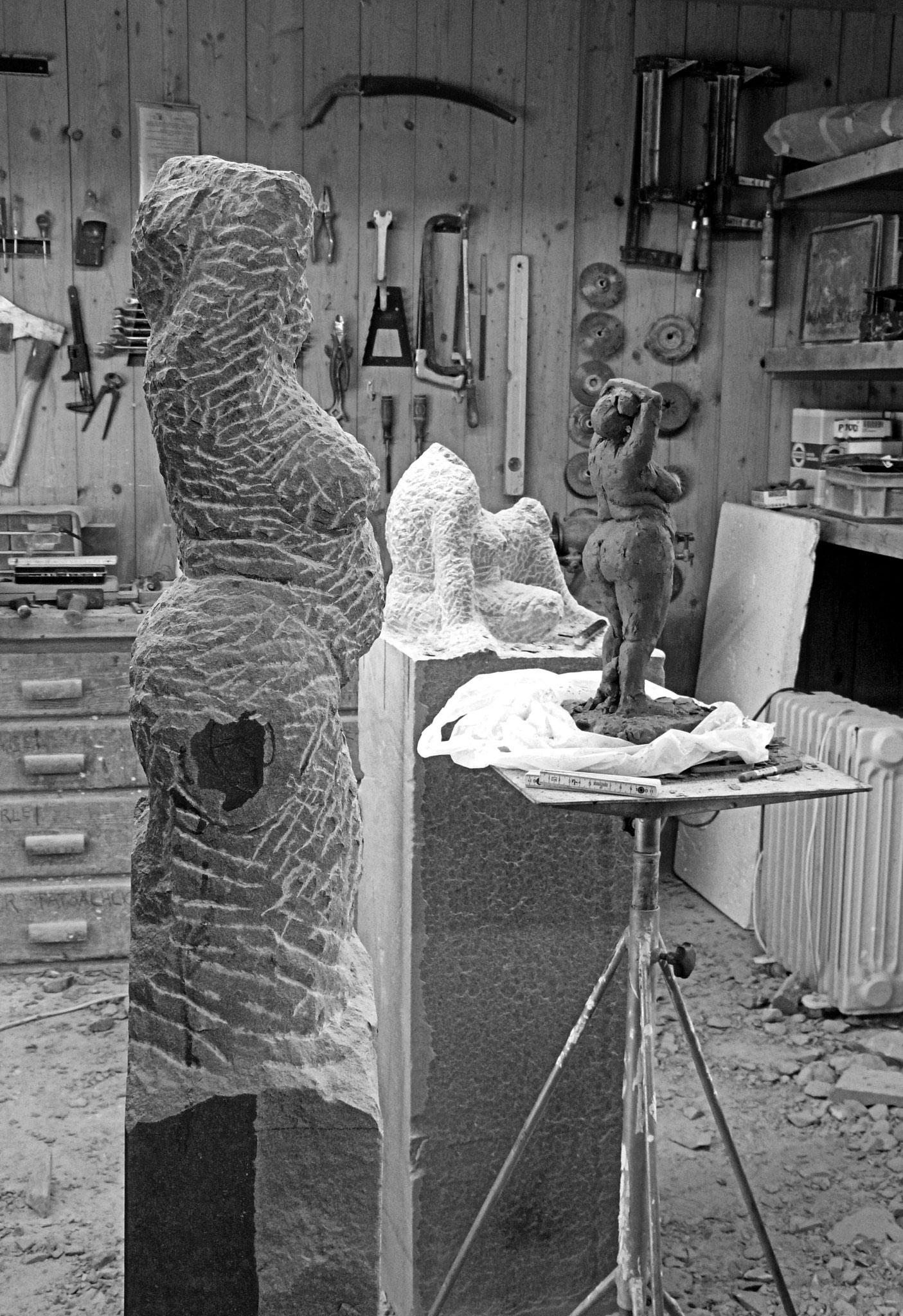 Werkstatt an der Arbeit Bildhauerei Wiedemer