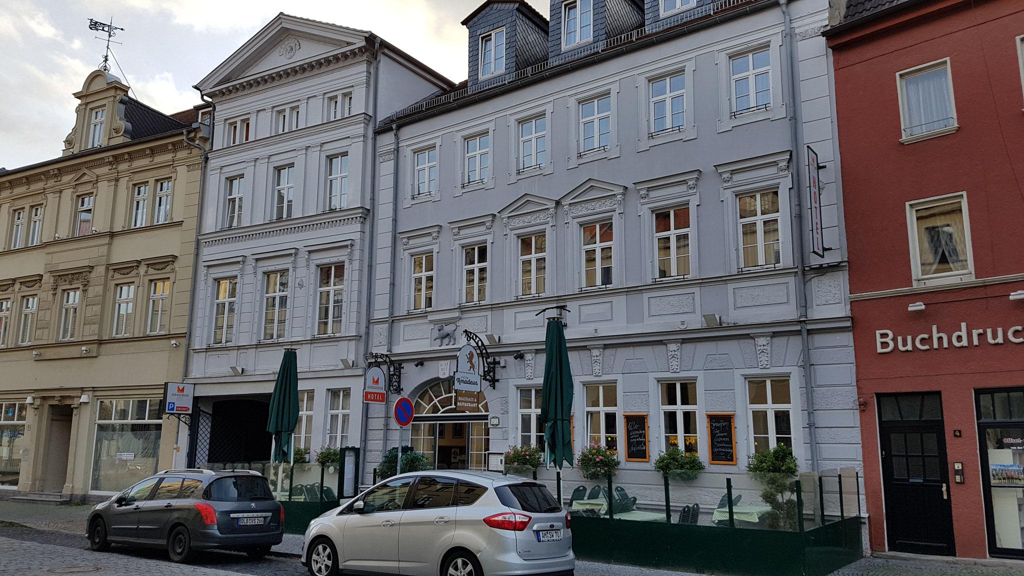 Front des Hotels.