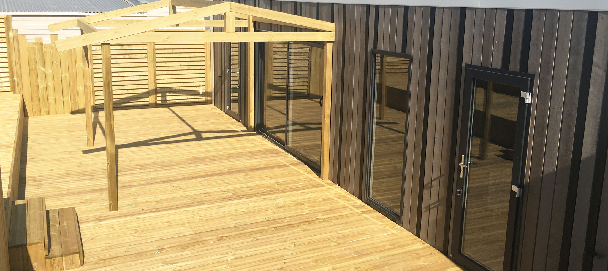 Conception de terrasses semi-couverte