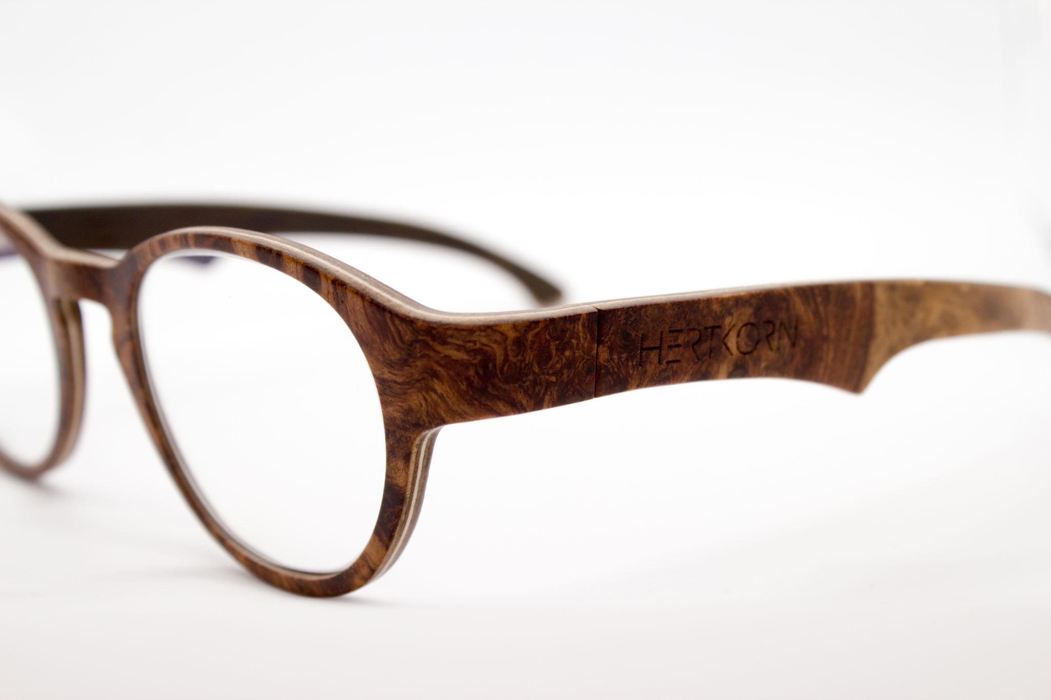 HERTKORN Hozlzbrillen Manufaktur | Holzbrillen aus dem Chiemgau/Bayern