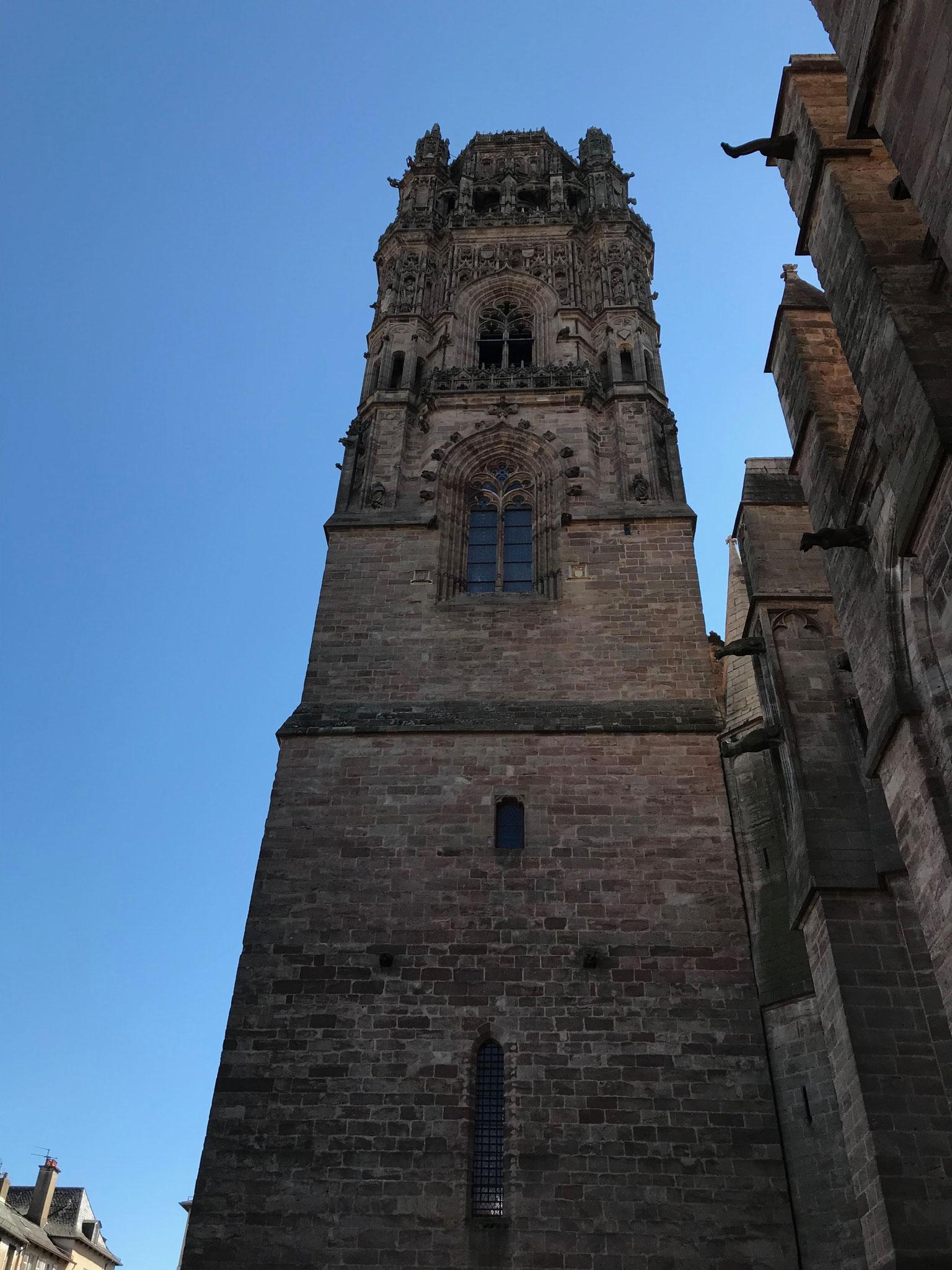 le campanile de Rodez, édifié en 13 ans  seulement, merveille du gothique flamboyant