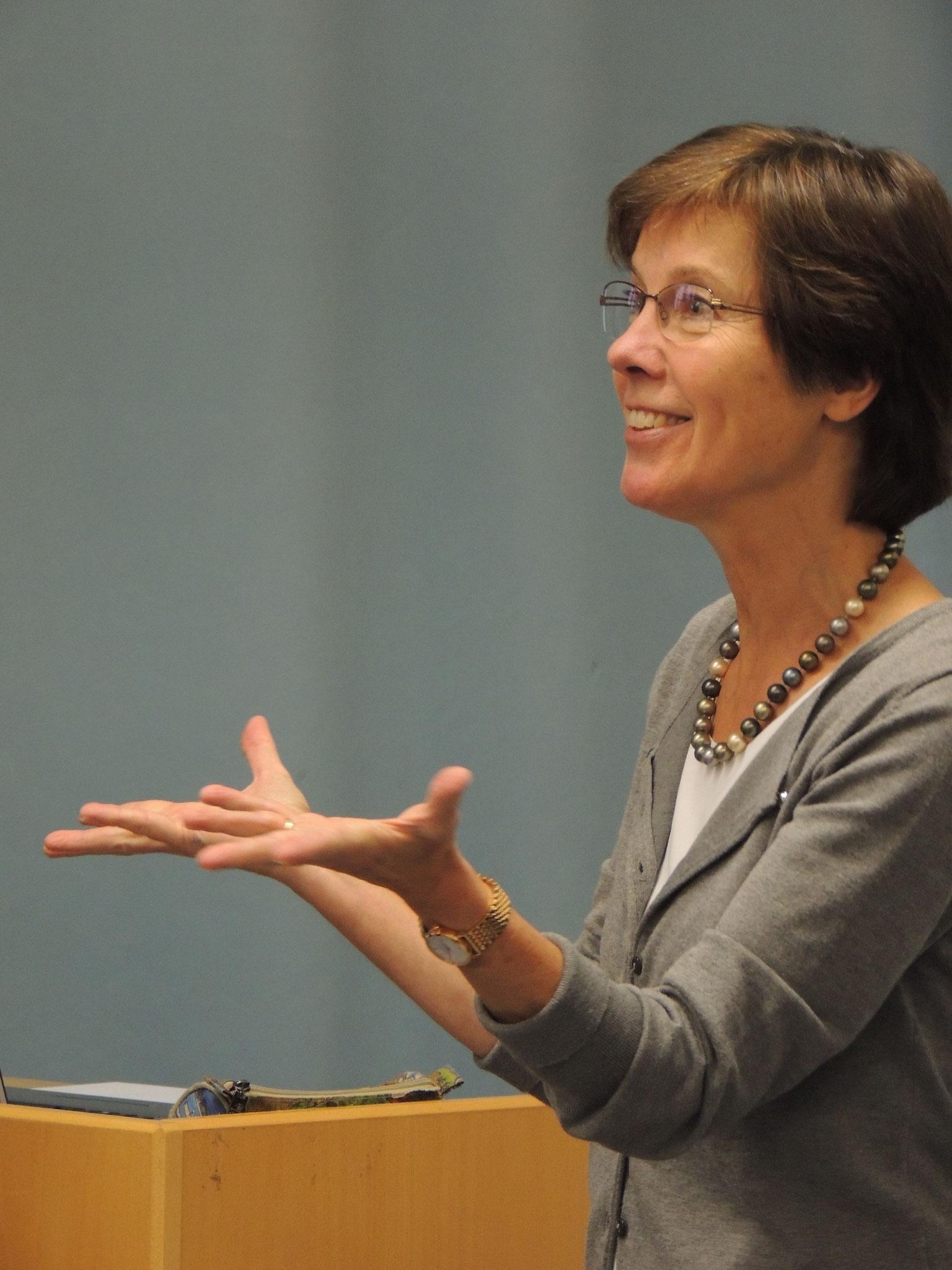Dr. Elisabeth Luge