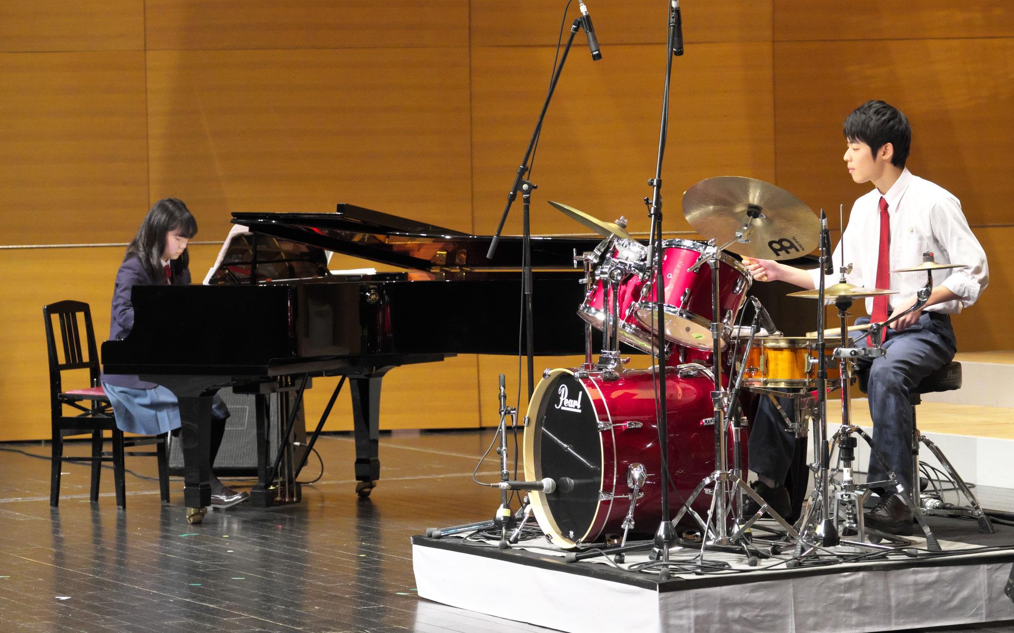 ピアノとドラムのジャズセッション MK
