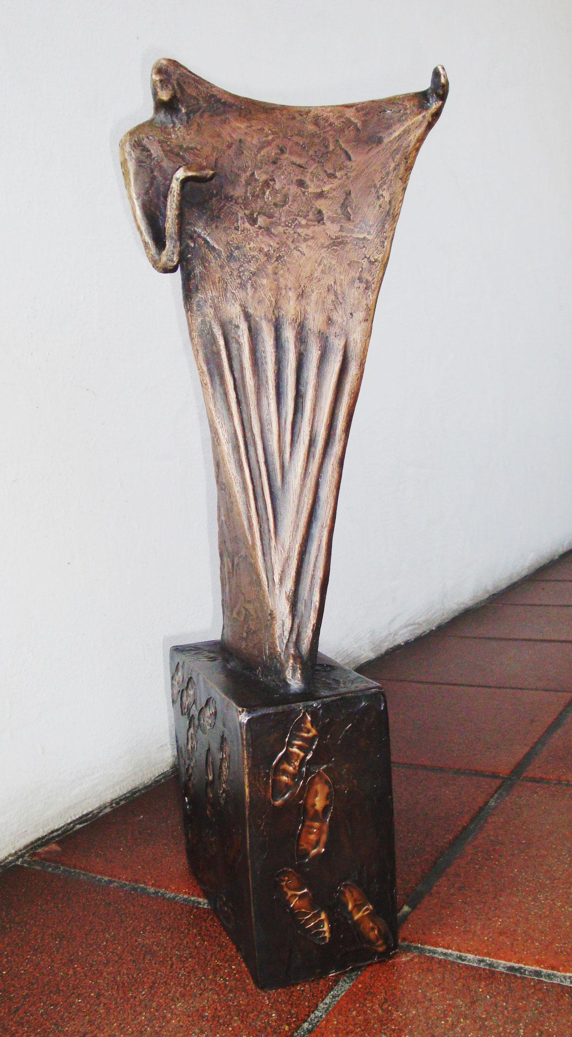 """""""Verhüllte Schritte"""" - Bronze - 19x58x24 cm"""