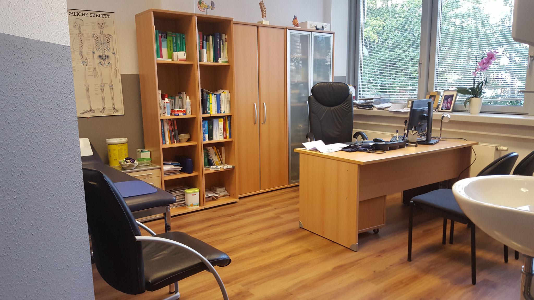 Allgemeinarzt-Zimmer groß