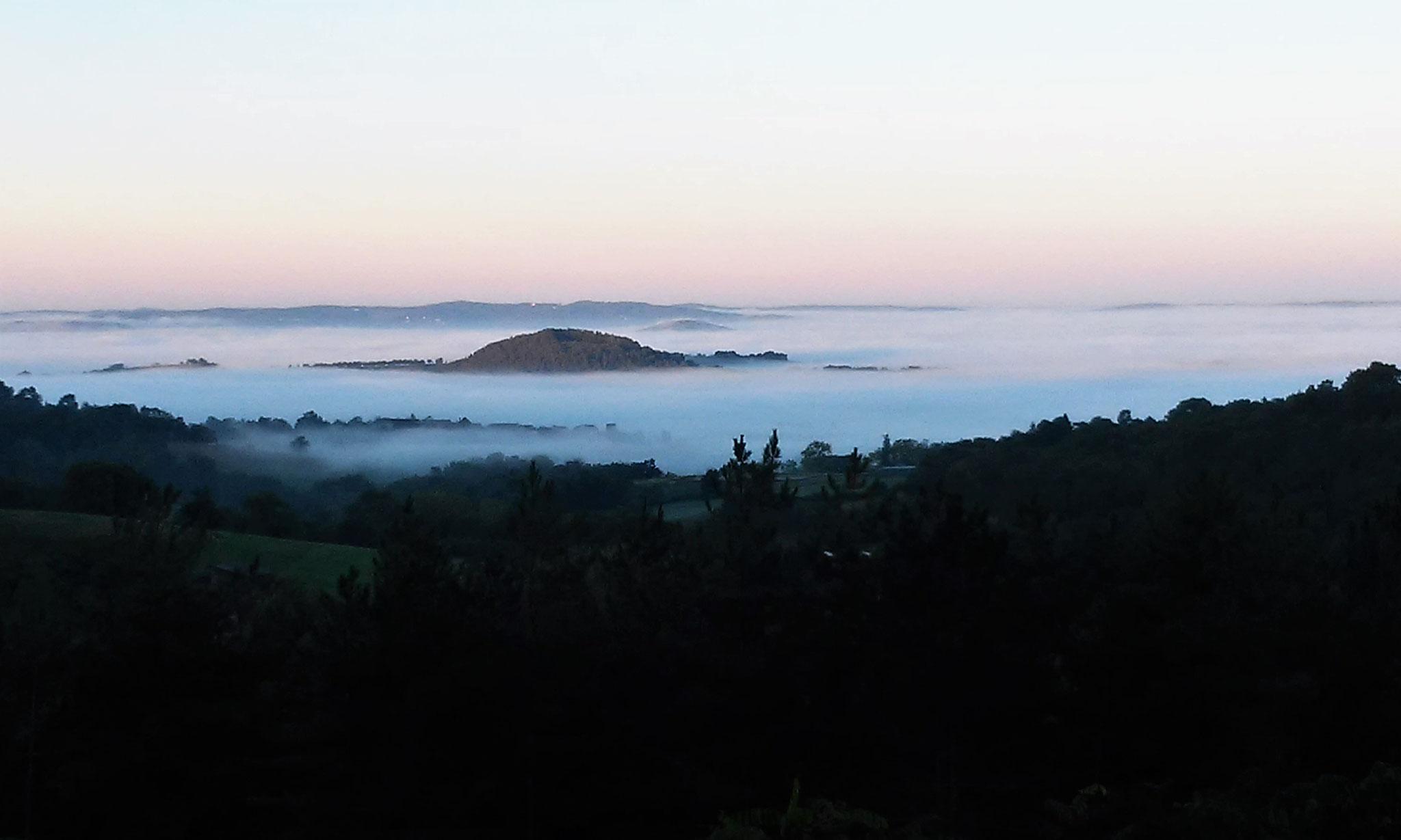 Mer de nuages le matin