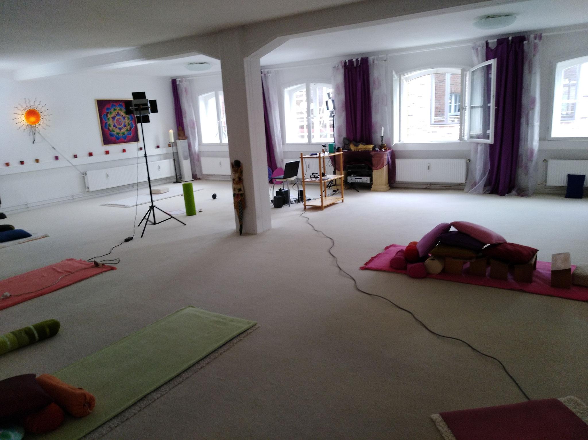 per Online im Yoga-Raum-Lübeck dabei sein