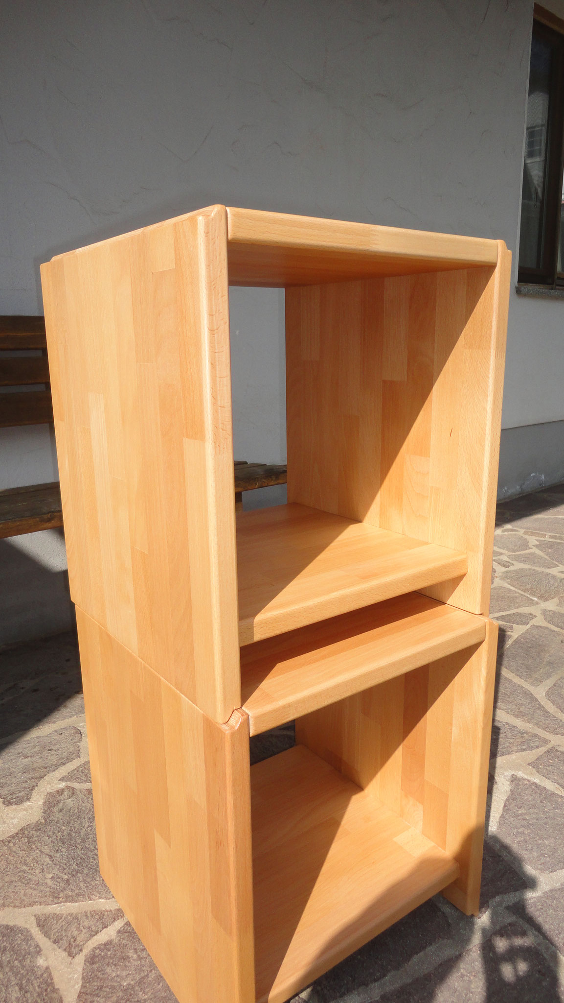 Hocker, stapelbar / Buche massiv