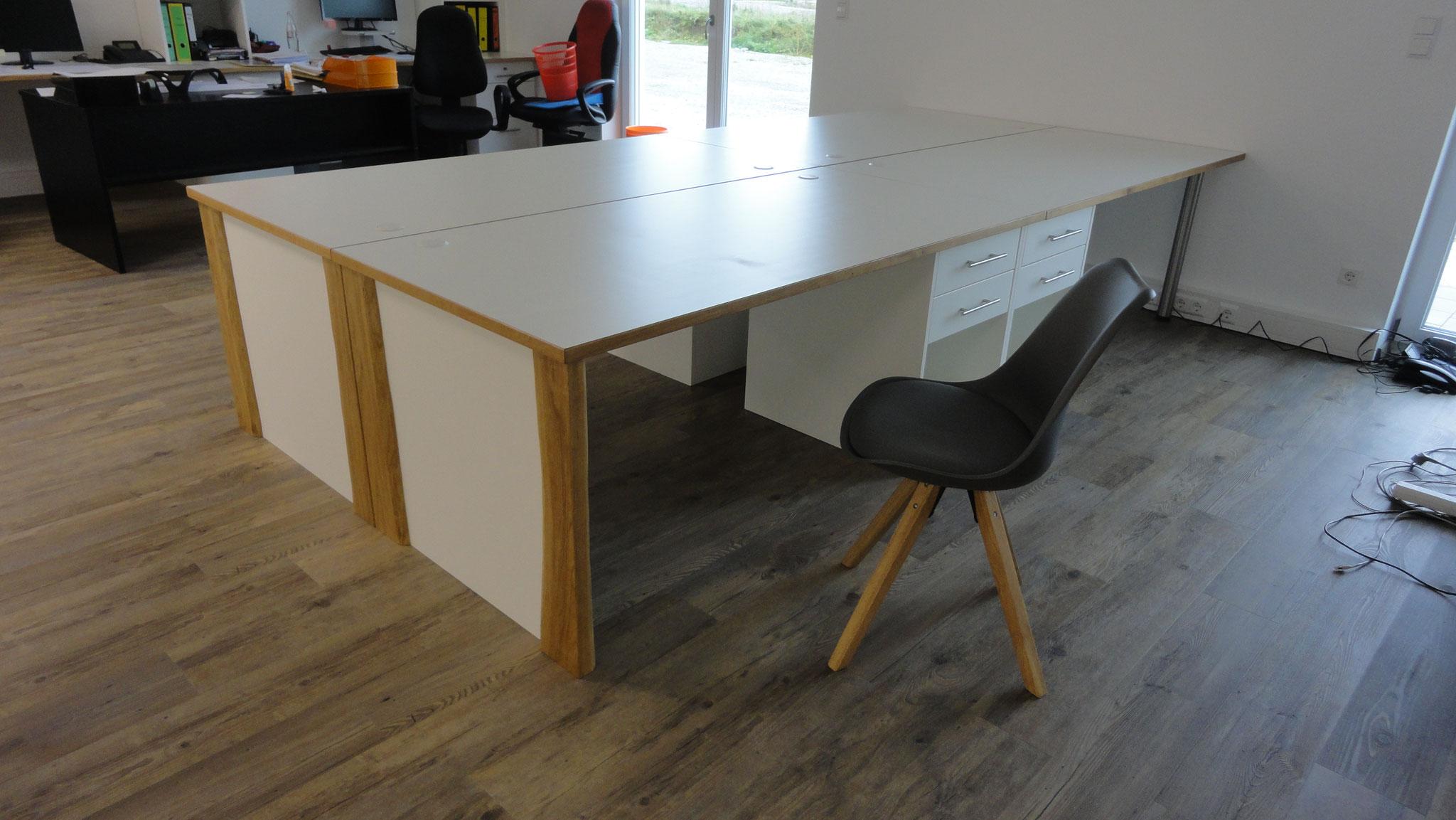 Schreibtisch, Büroarbeitsplatz