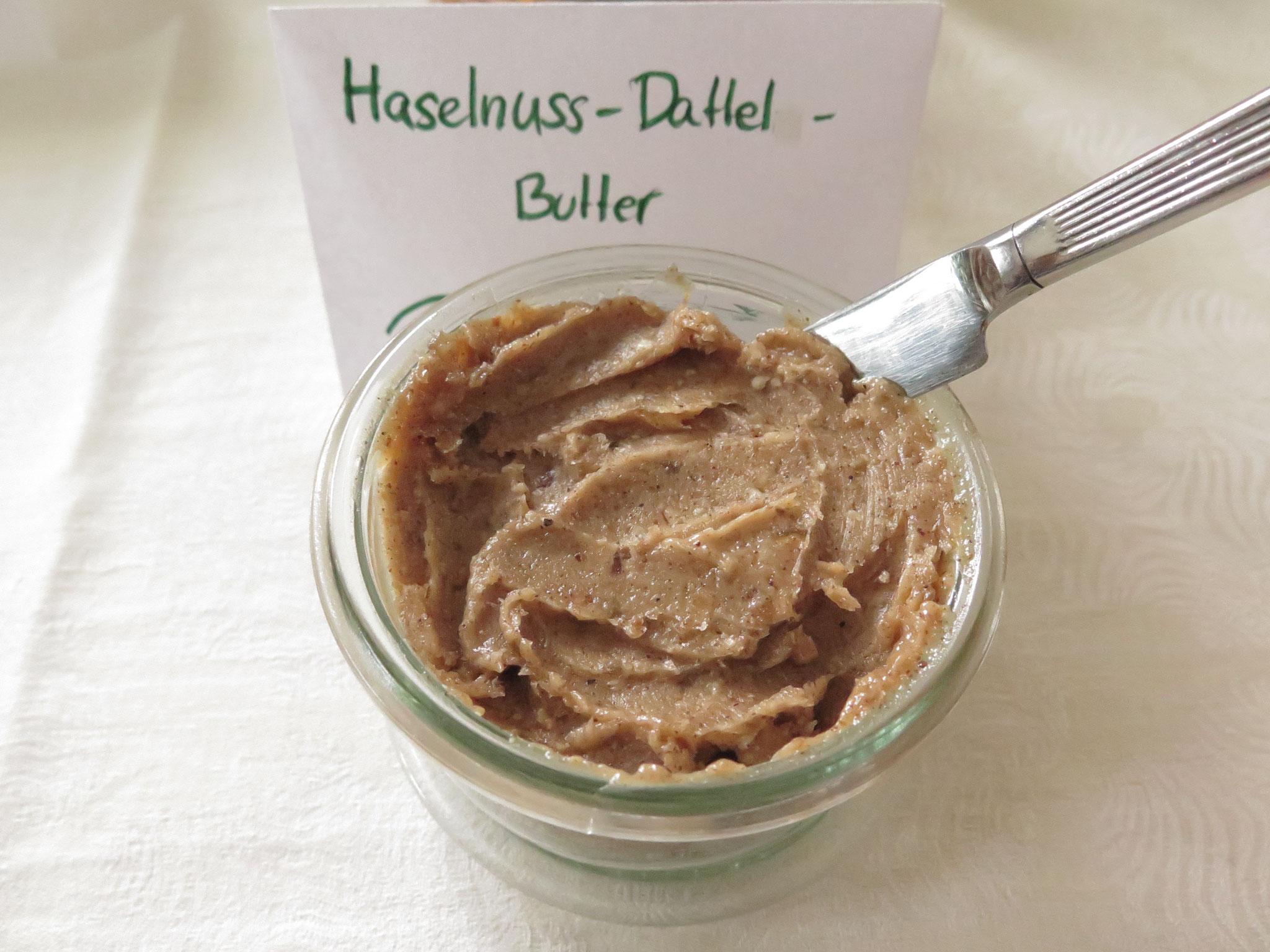 Haselnuss-Dattel-Butter