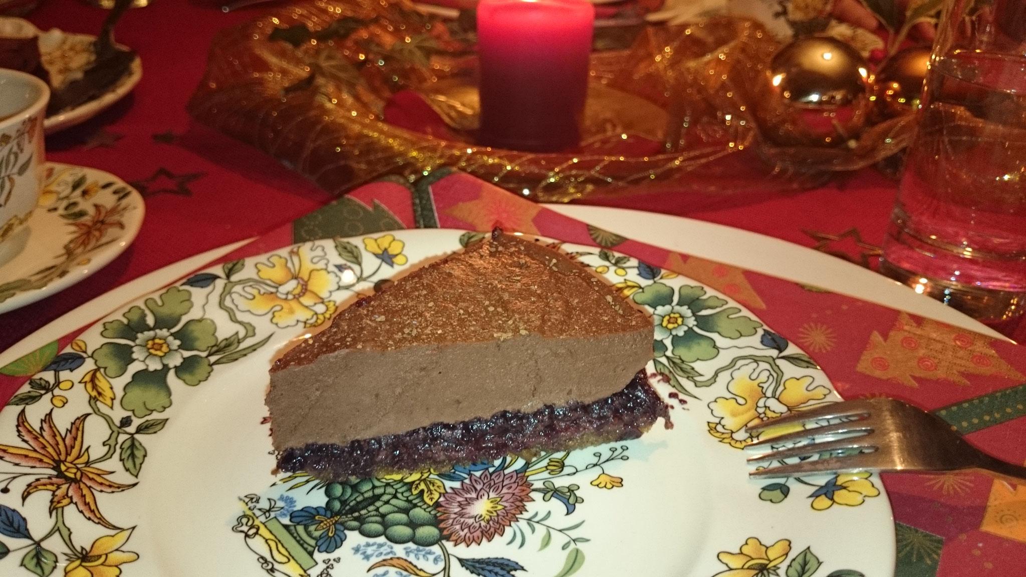 Rohkakao-Torte mit rohem Früchte-Gelee