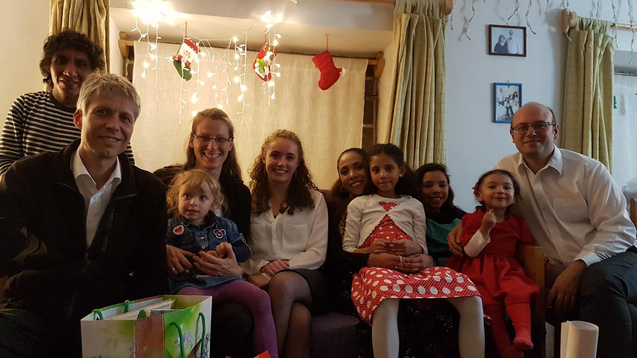 Danach haben wir mit lieben Mitmissionaren noch weiter sehr schön Weihnachten gefeiert.