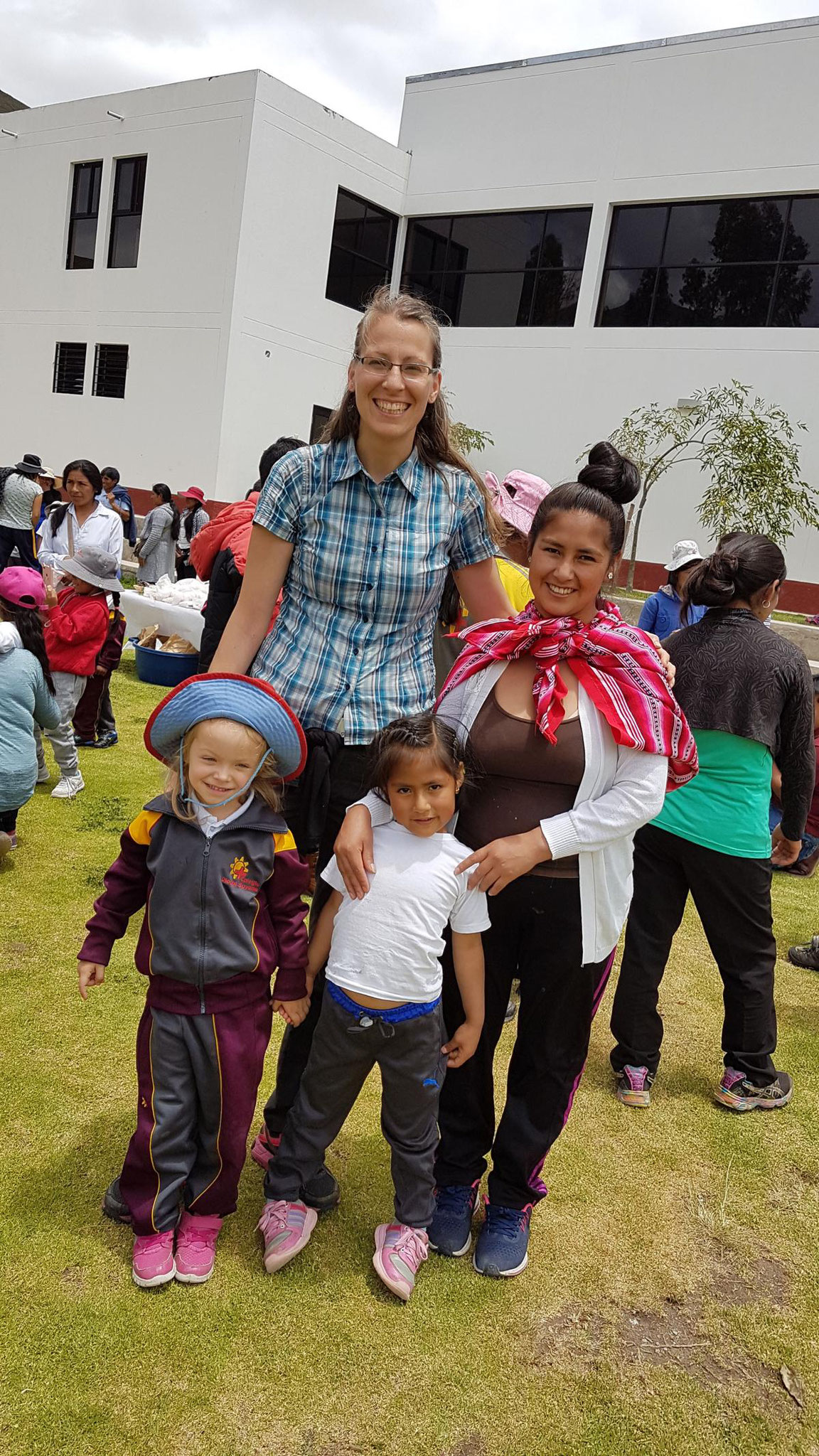 Johanna mit einer Freundin aus dem Kindergarten.